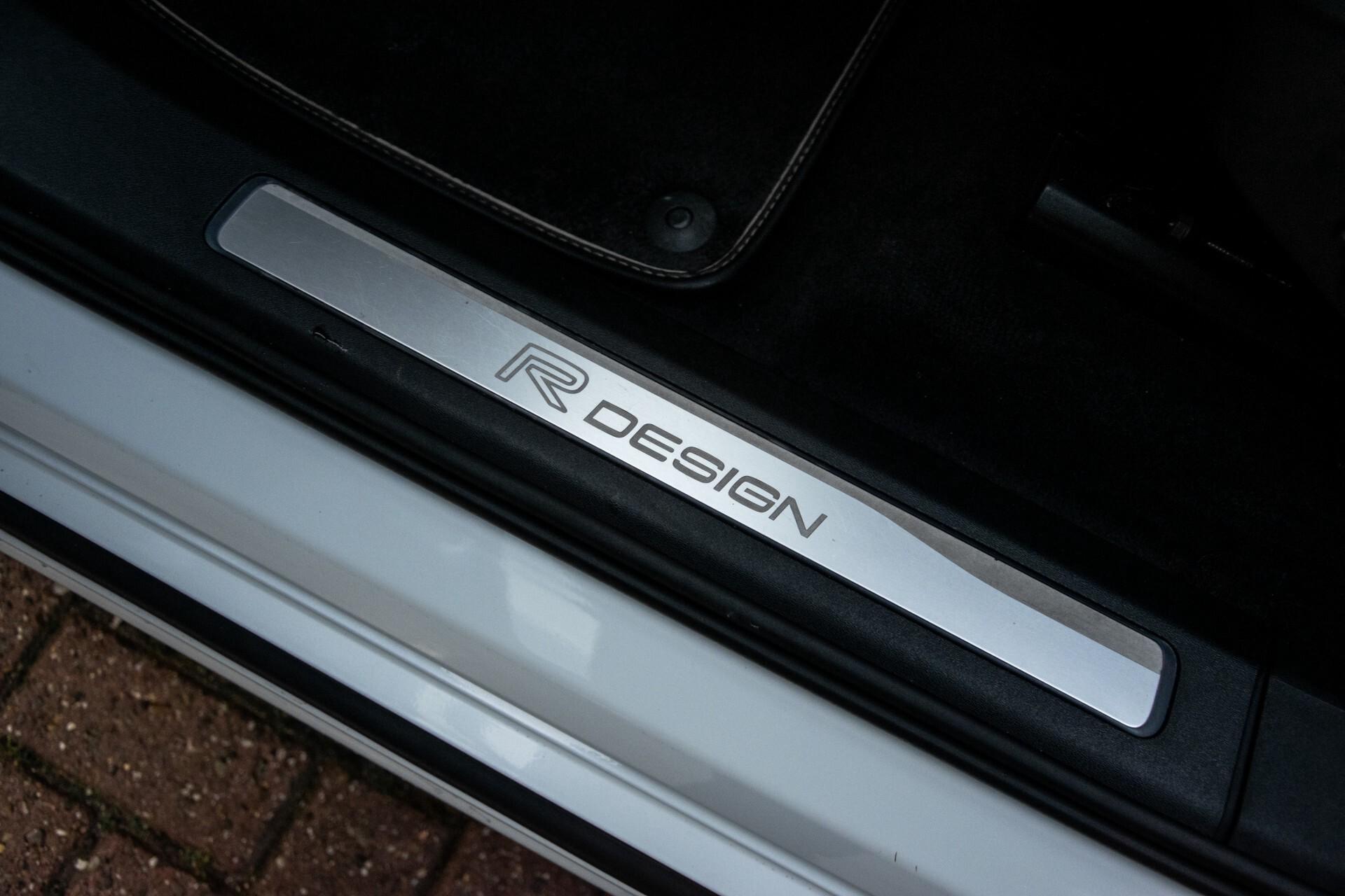 "Volvo XC90 2.0 T6 AWD R-Design Panorama/Keyless/B&W/ACC/Standkachel/22"" Aut8 Foto 29"