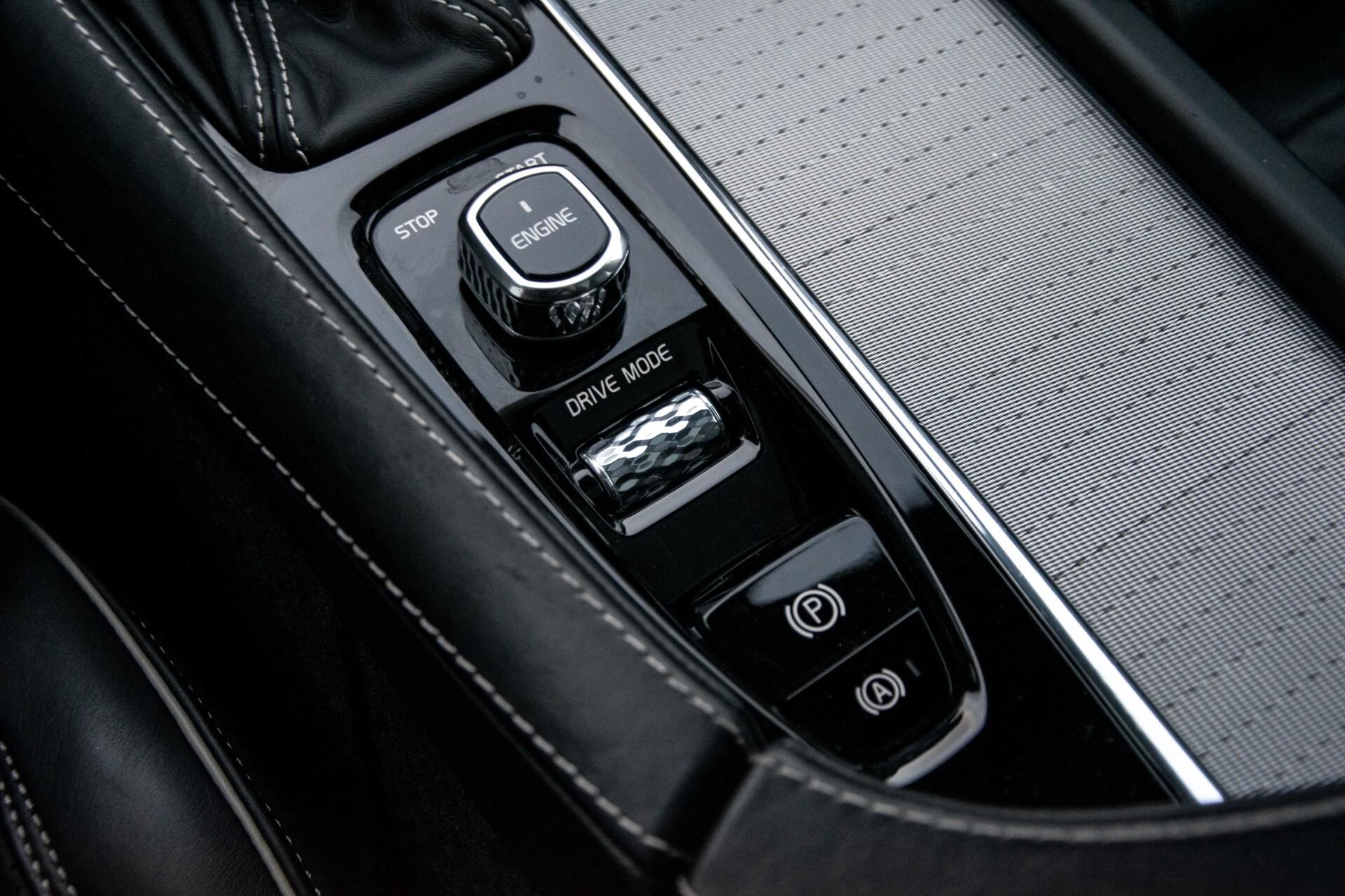 "Volvo XC90 2.0 T6 AWD R-Design Panorama/Keyless/B&W/ACC/Standkachel/22"" Aut8 Foto 33"