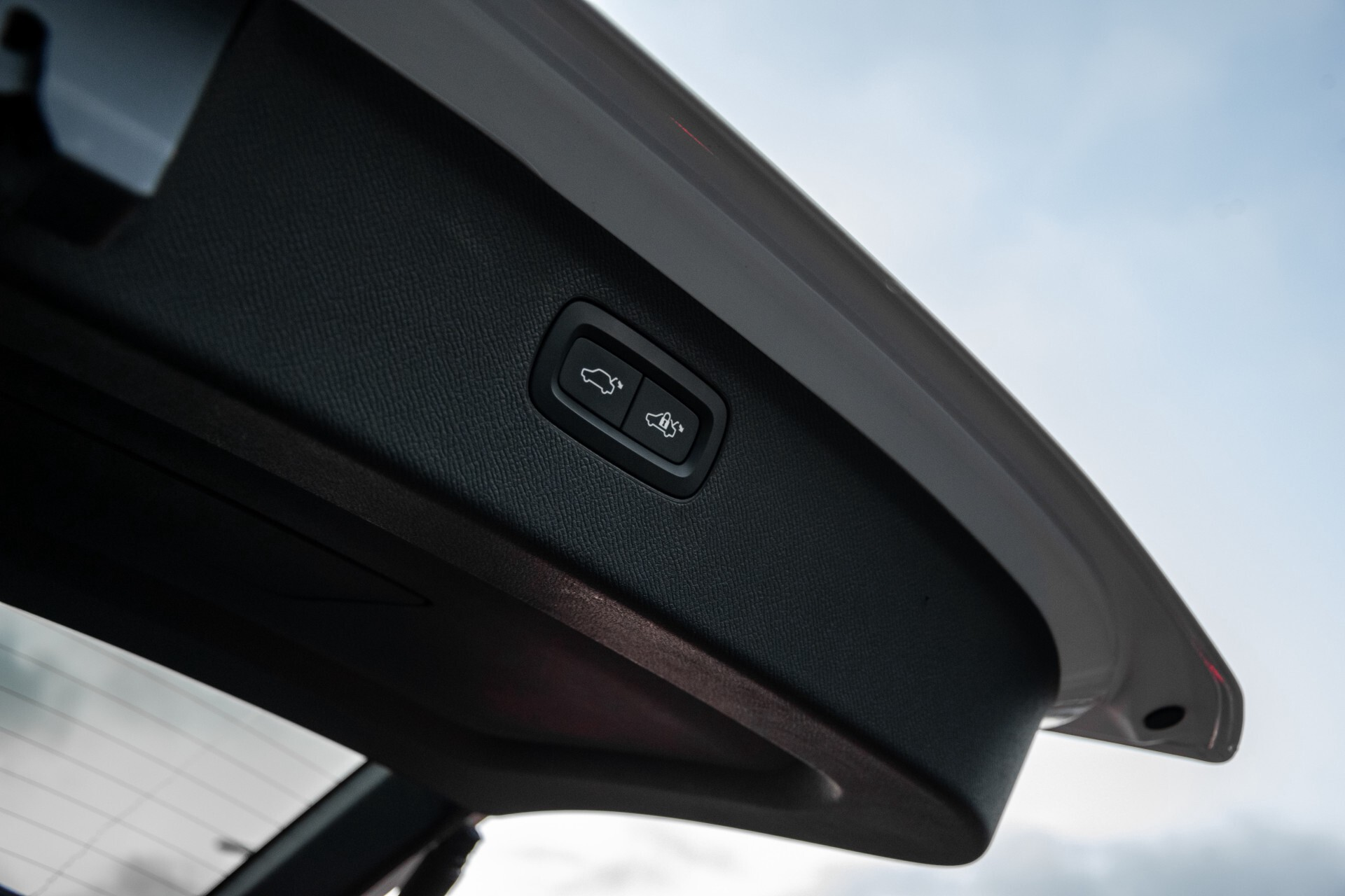 "Volvo XC90 2.0 T6 AWD R-Design Panorama/Keyless/B&W/ACC/Standkachel/22"" Aut8 Foto 39"
