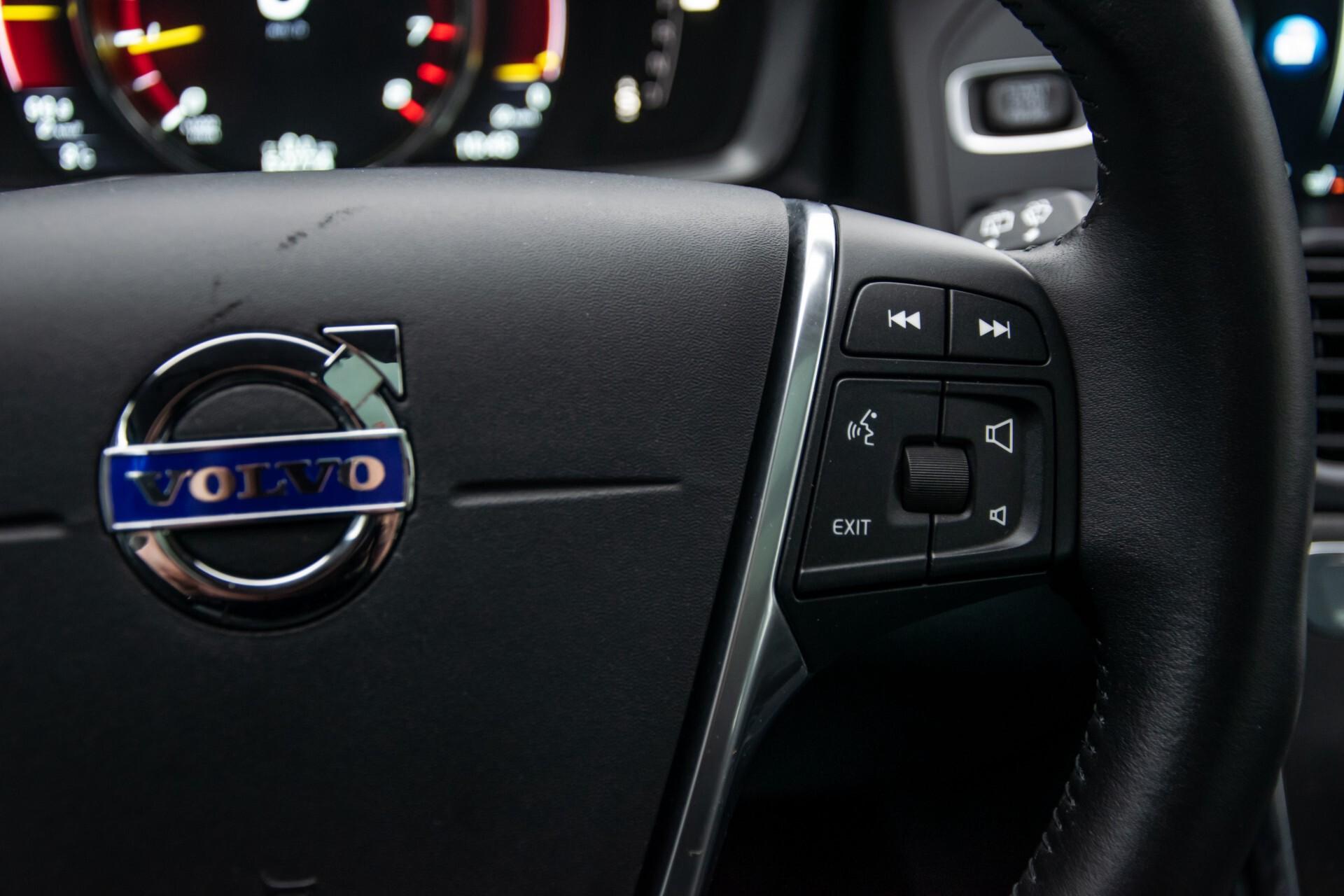 Volvo XC60 2.0 T5 FWD Ocean Race Panorama/Leer/Dealer OH Aut8 Foto 14