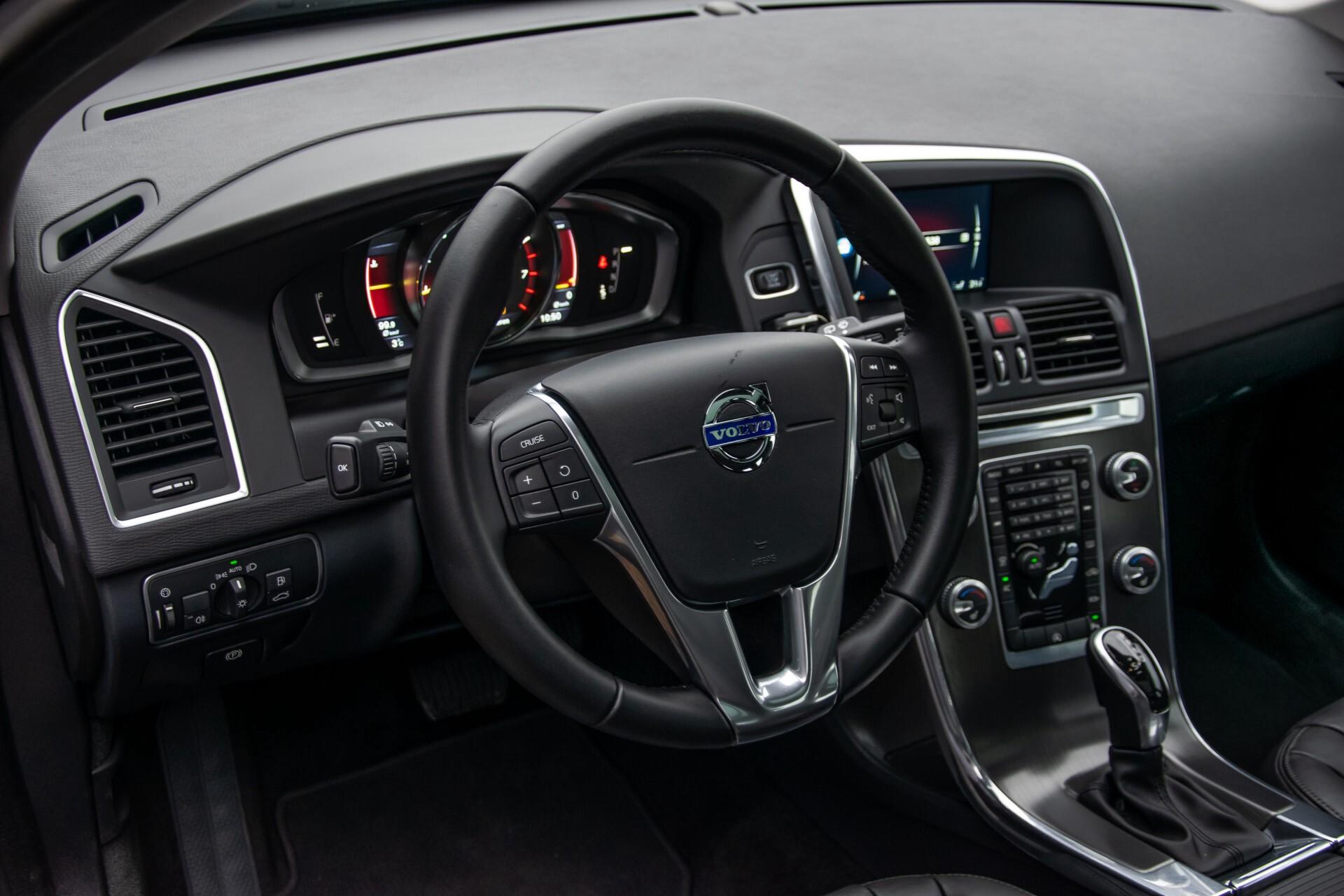 Volvo XC60 2.0 T5 FWD Ocean Race Panorama/Leer/Dealer OH Aut8 Foto 15