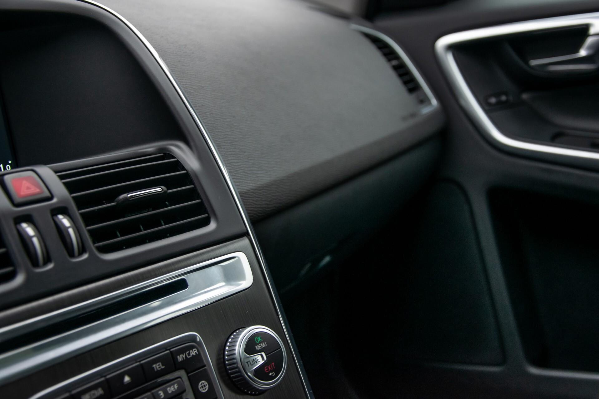 Volvo XC60 2.0 T5 FWD Ocean Race Panorama/Leer/Dealer OH Aut8 Foto 22