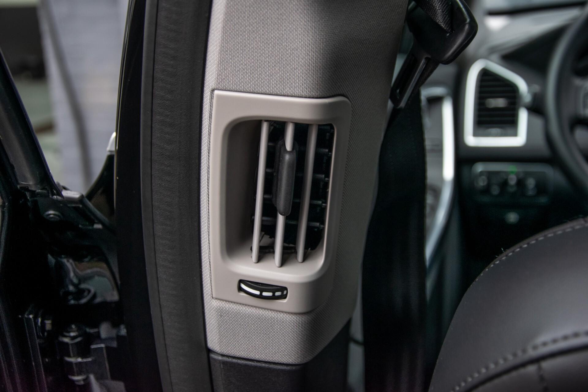 Volvo XC60 2.0 T5 FWD Ocean Race Panorama/Leer/Dealer OH Aut8 Foto 34