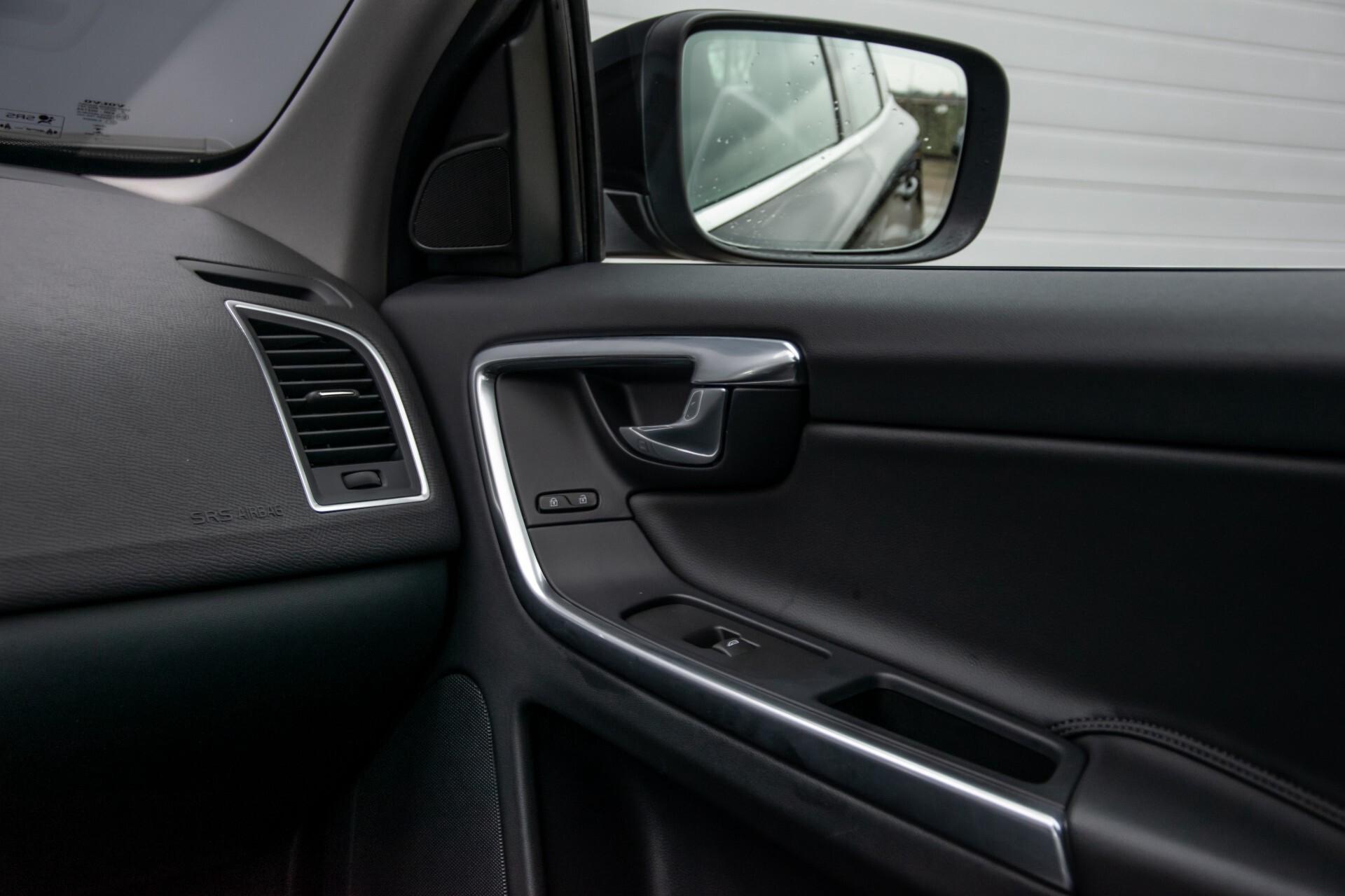 Volvo XC60 2.0 T5 FWD Ocean Race Panorama/Leer/Dealer OH Aut8 Foto 37