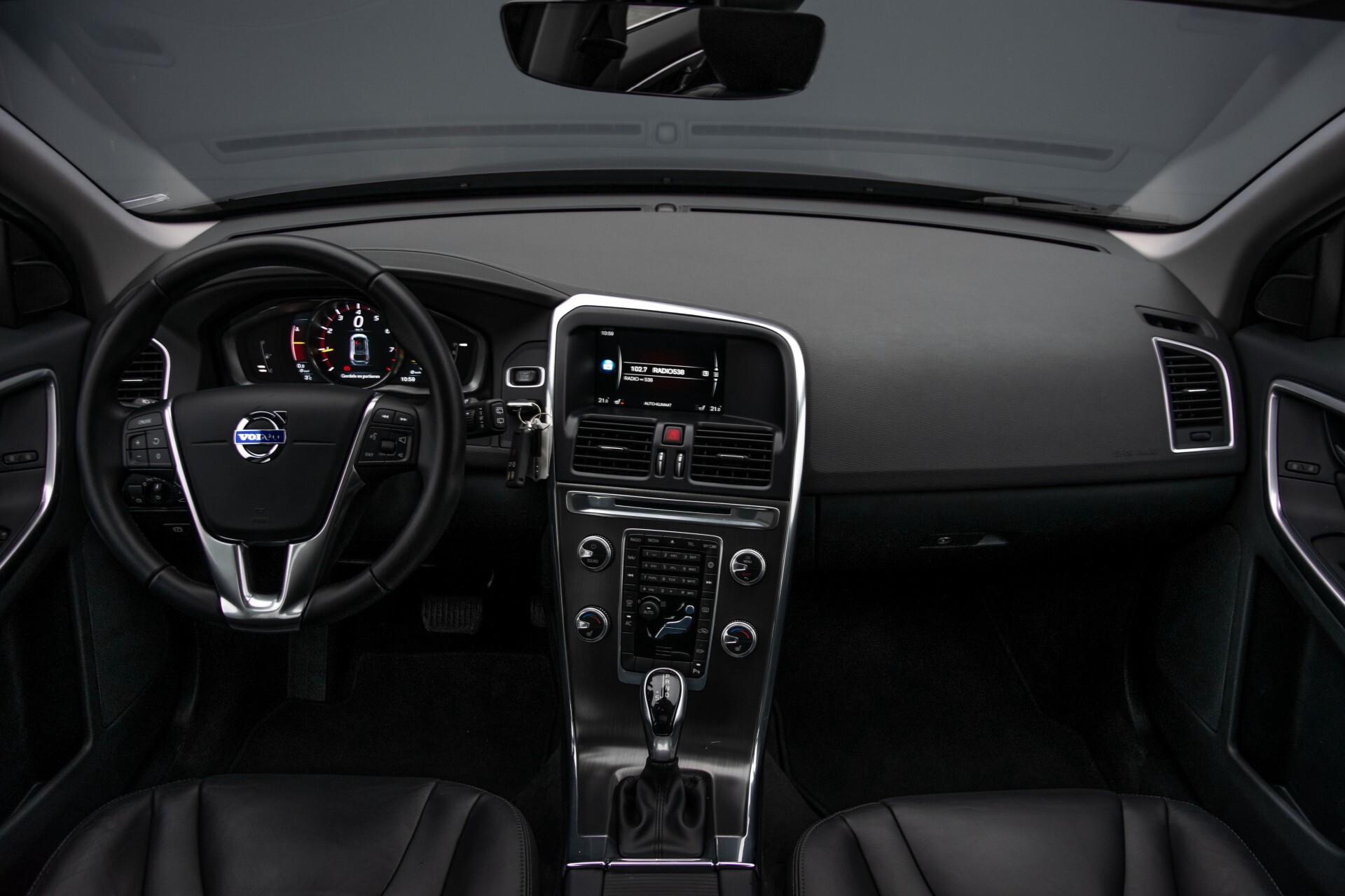 Volvo XC60 2.0 T5 FWD Ocean Race Panorama/Leer/Dealer OH Aut8 Foto 8