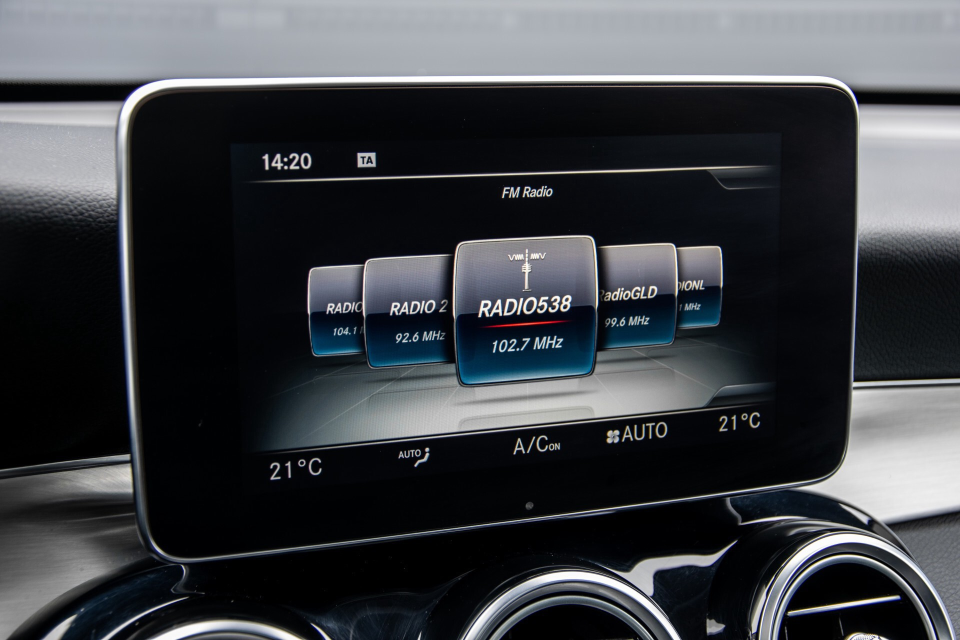 Mercedes-Benz GLC 220 d 4-M AMG/Distronic/Panorama/Comand/HUD/Afn-Trhk Aut9 Foto 16