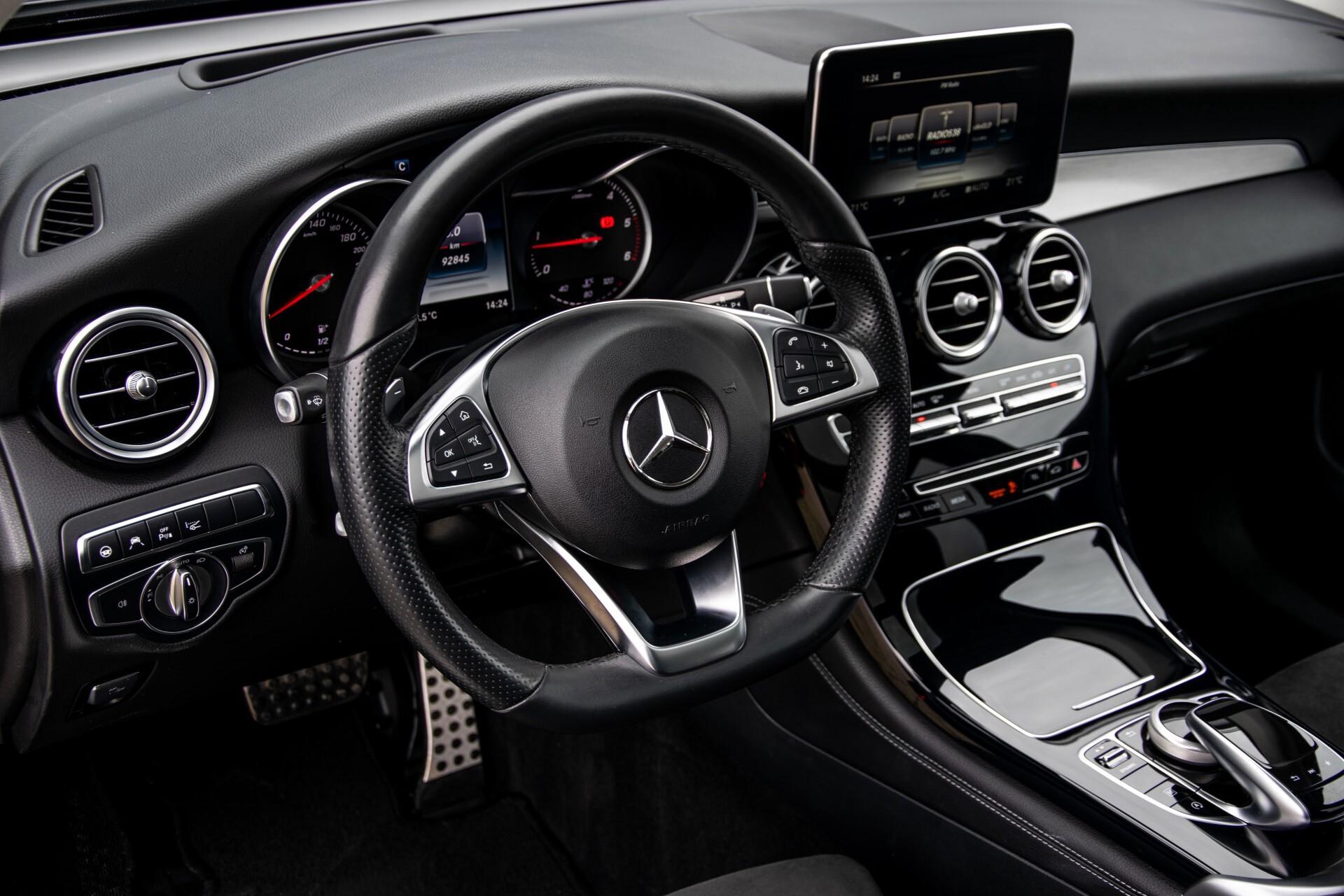 Mercedes-Benz GLC 220 d 4-M AMG/Distronic/Panorama/Comand/HUD/Afn-Trhk Aut9 Foto 17