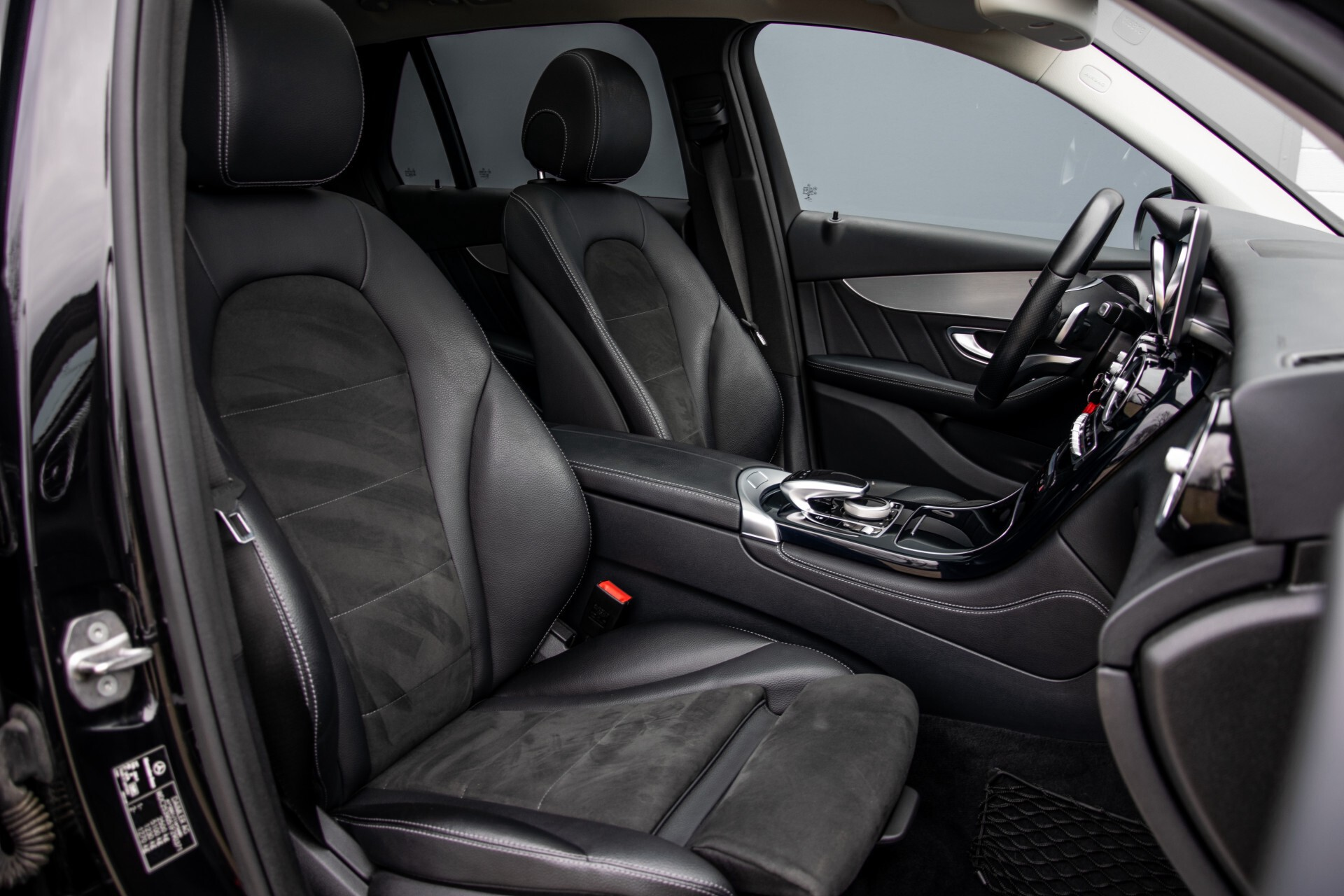 Mercedes-Benz GLC 220 d 4-M AMG/Distronic/Panorama/Comand/HUD/Afn-Trhk Aut9 Foto 3