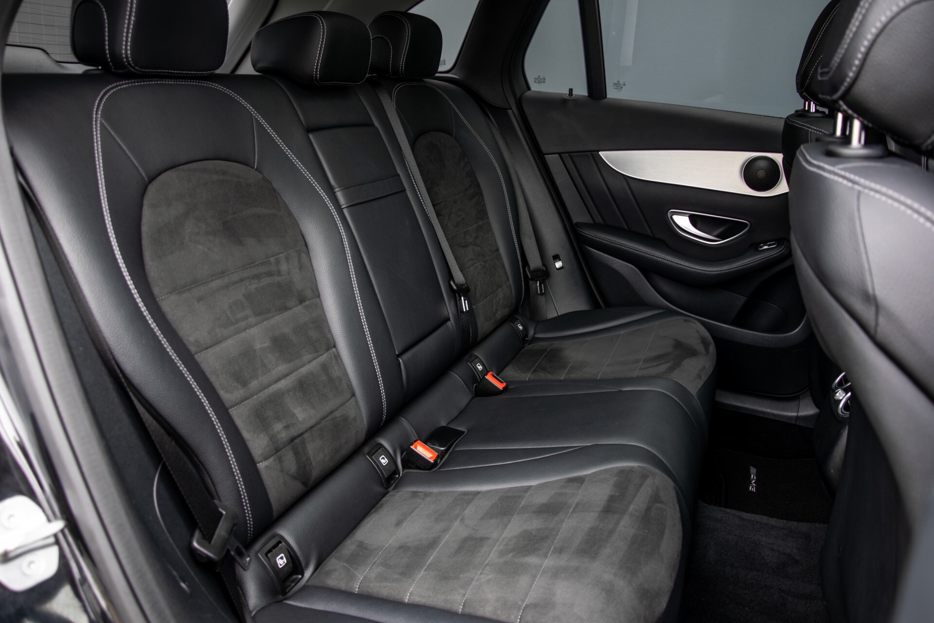 Mercedes-Benz GLC 220 d 4-M AMG/Distronic/Panorama/Comand/HUD/Afn-Trhk Aut9 Foto 4