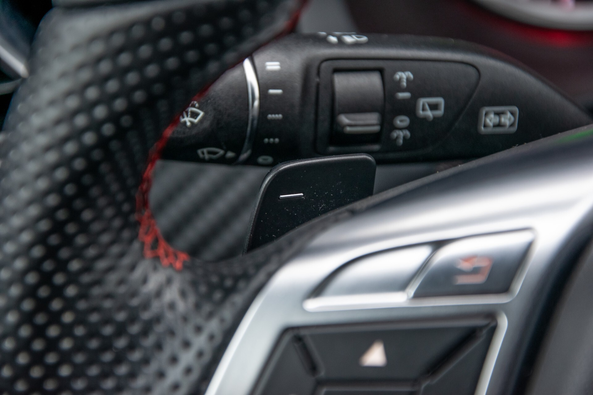 Mercedes-Benz A-Klasse 180 AMG Dynamic Handling/Camera/Xenon/Navi/Privacy Aut7 Foto 11