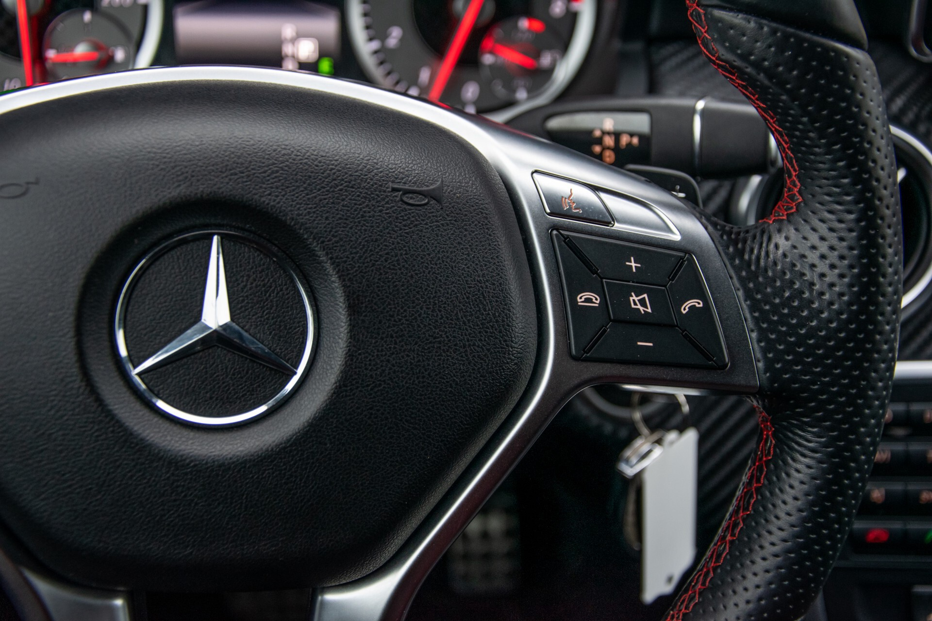 Mercedes-Benz A-Klasse 180 AMG Dynamic Handling/Camera/Xenon/Navi/Privacy Aut7 Foto 15
