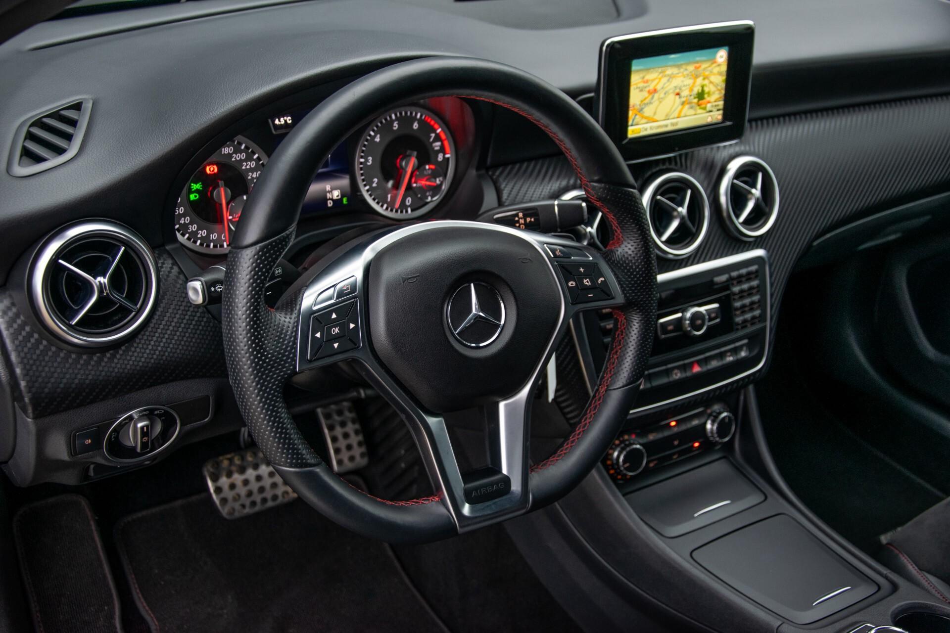 Mercedes-Benz A-Klasse 180 AMG Dynamic Handling/Camera/Xenon/Navi/Privacy Aut7 Foto 16