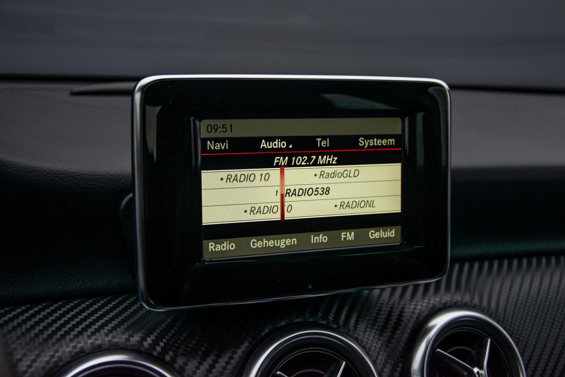 Mercedes-Benz A-Klasse 180 AMG Dynamic Handling/Camera/Xenon/Navi/Privacy Aut7 Foto 21