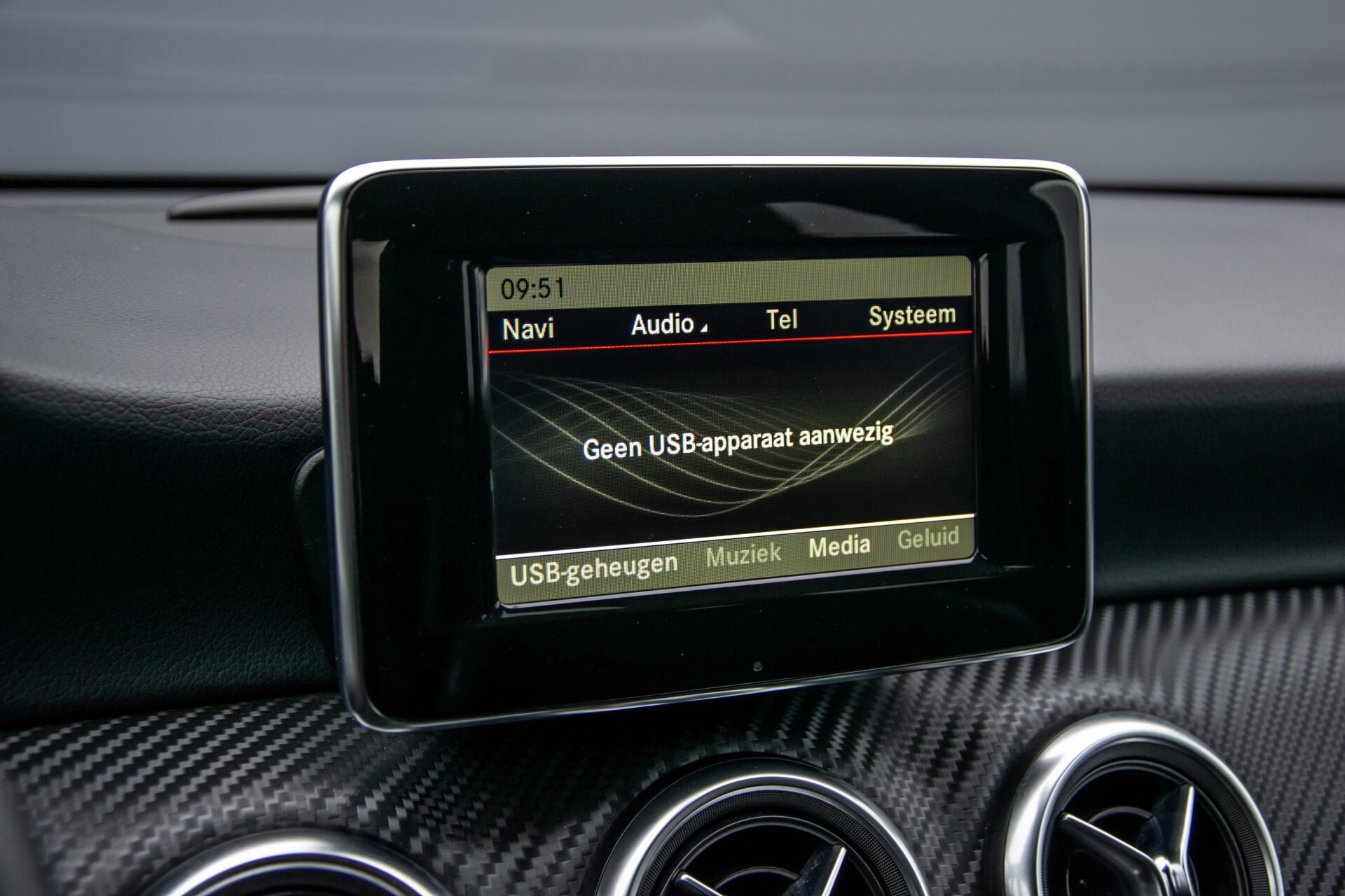Mercedes-Benz A-Klasse 180 AMG Dynamic Handling/Camera/Xenon/Navi/Privacy Aut7 Foto 23