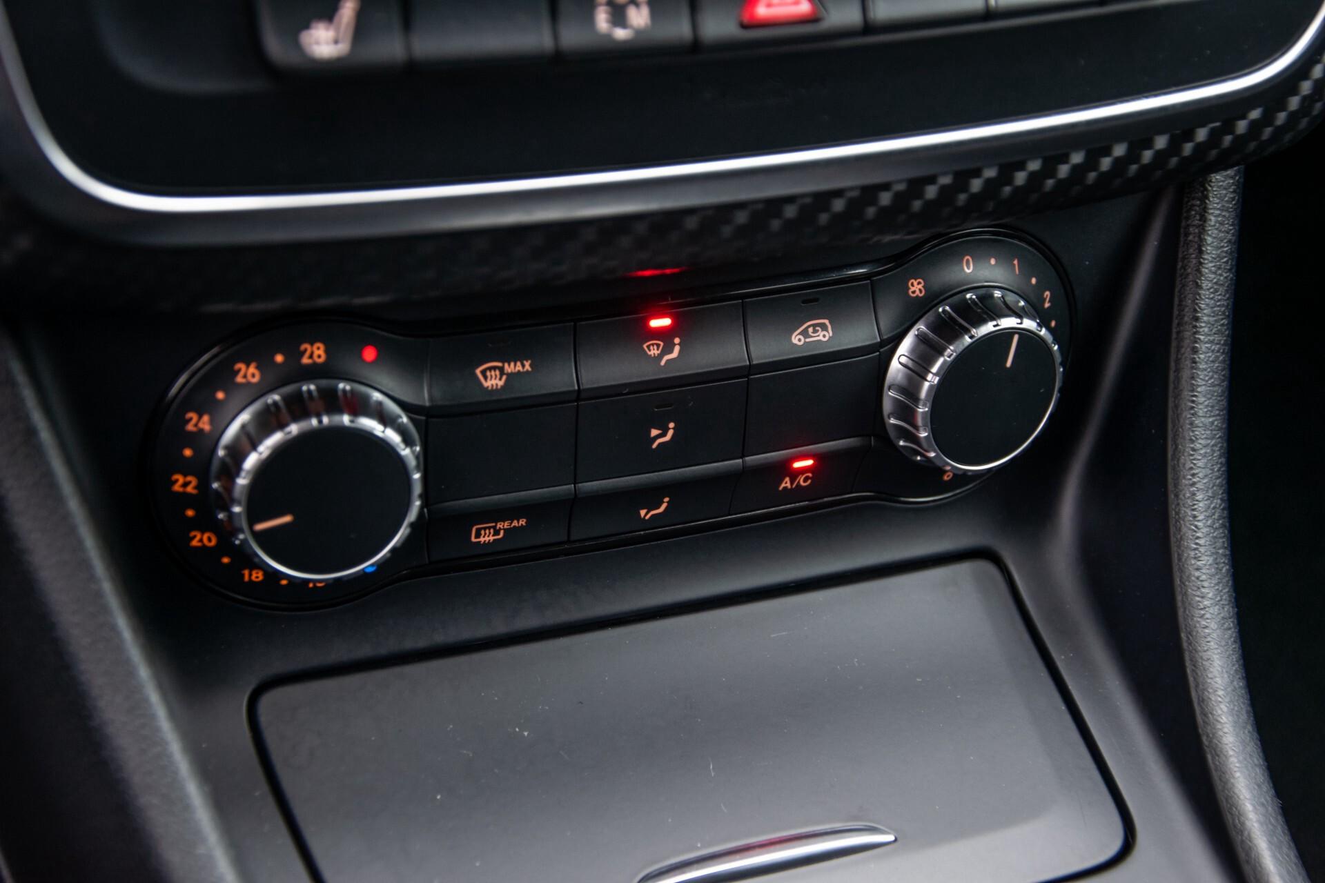 Mercedes-Benz A-Klasse 180 AMG Dynamic Handling/Camera/Xenon/Navi/Privacy Aut7 Foto 24