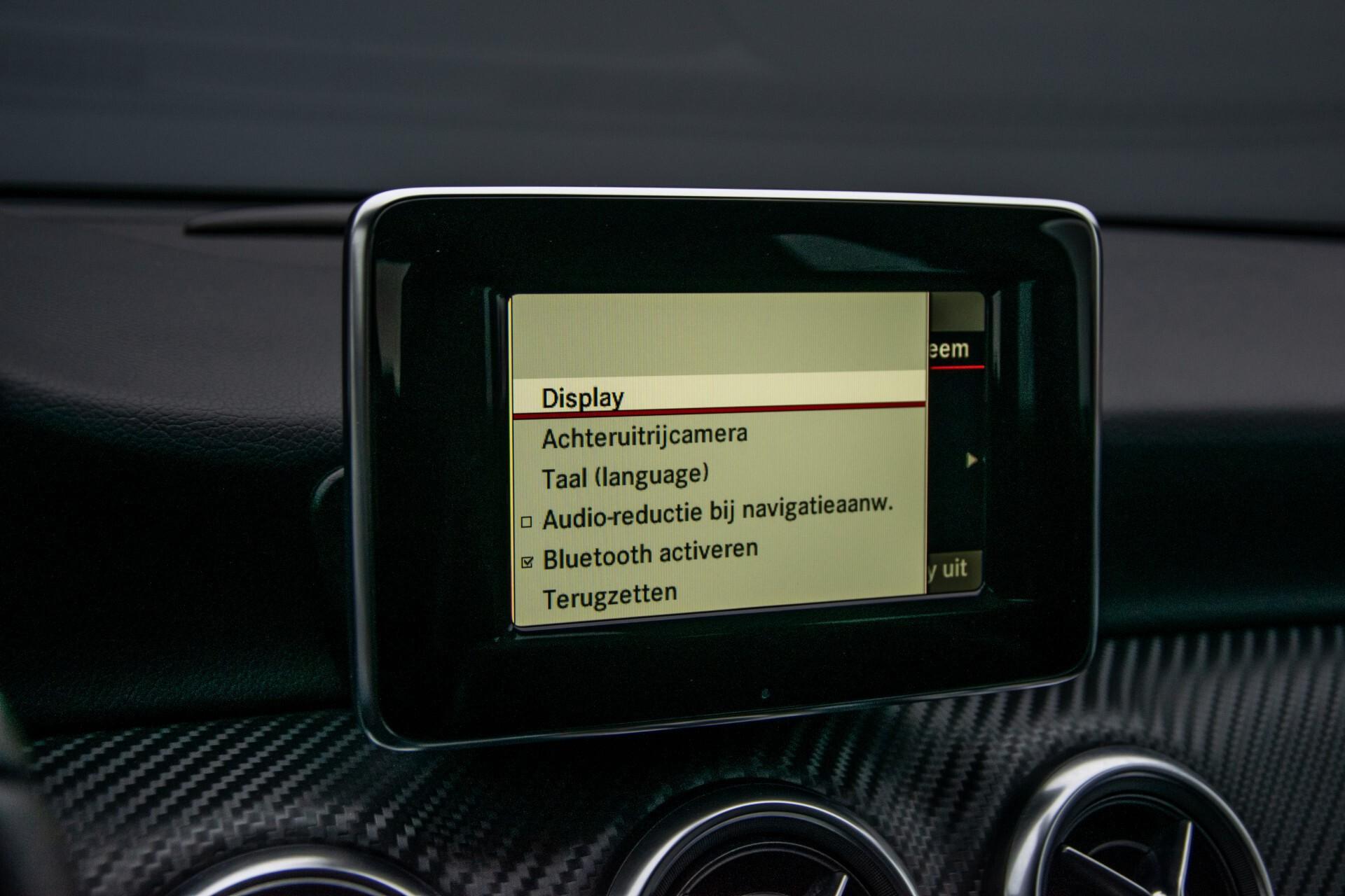 Mercedes-Benz A-Klasse 180 AMG Dynamic Handling/Camera/Xenon/Navi/Privacy Aut7 Foto 27