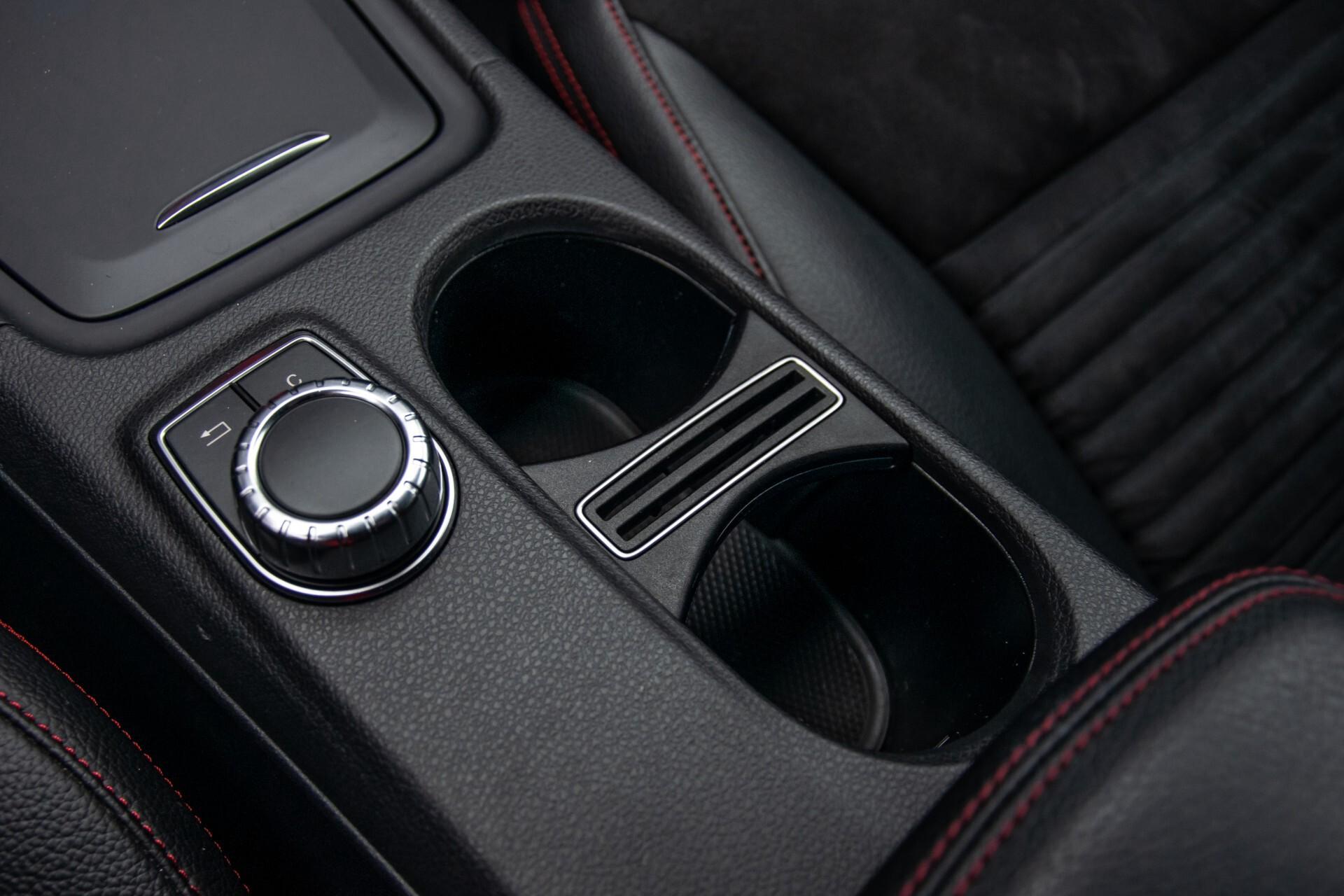 Mercedes-Benz A-Klasse 180 AMG Dynamic Handling/Camera/Xenon/Navi/Privacy Aut7 Foto 29