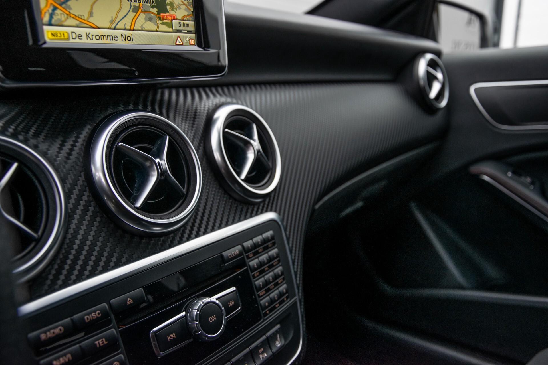 Mercedes-Benz A-Klasse 180 AMG Dynamic Handling/Camera/Xenon/Navi/Privacy Aut7 Foto 31