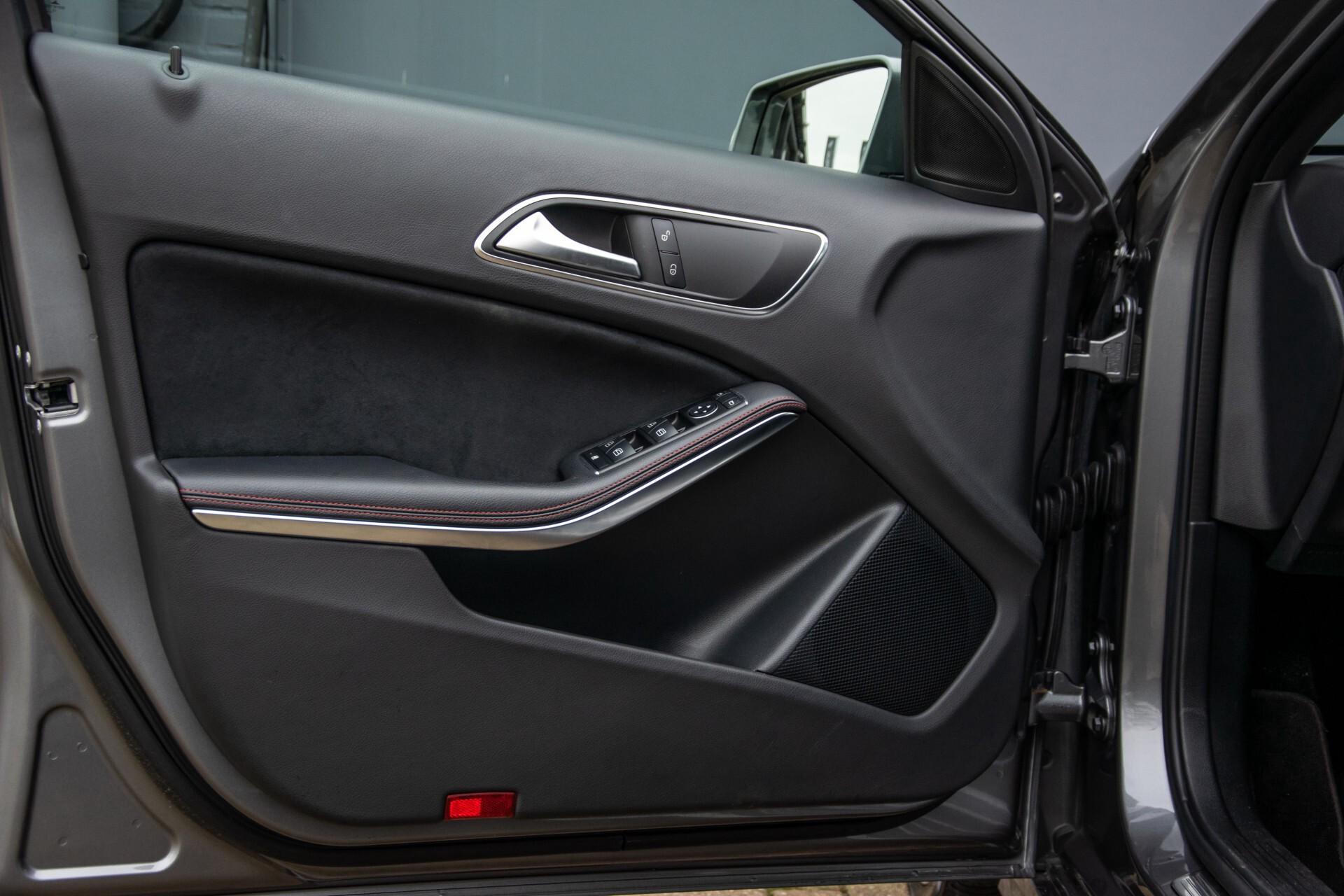Mercedes-Benz A-Klasse 180 AMG Dynamic Handling/Camera/Xenon/Navi/Privacy Aut7 Foto 33