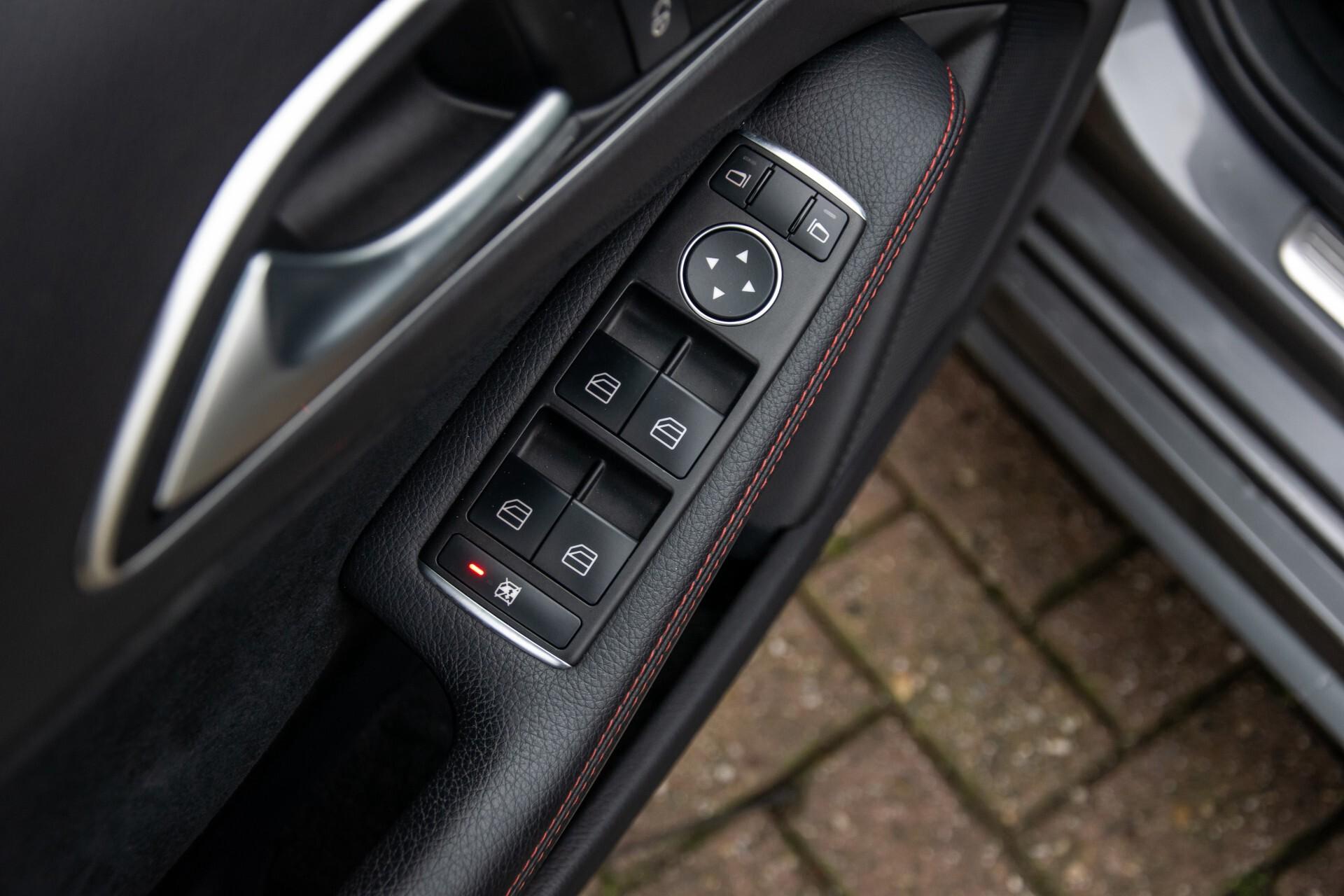 Mercedes-Benz A-Klasse 180 AMG Dynamic Handling/Camera/Xenon/Navi/Privacy Aut7 Foto 34