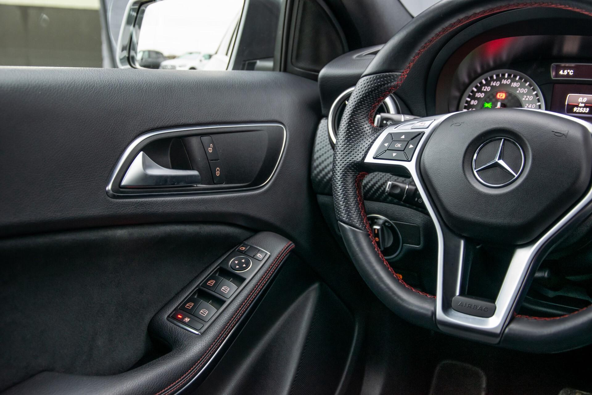 Mercedes-Benz A-Klasse 180 AMG Dynamic Handling/Camera/Xenon/Navi/Privacy Aut7 Foto 36