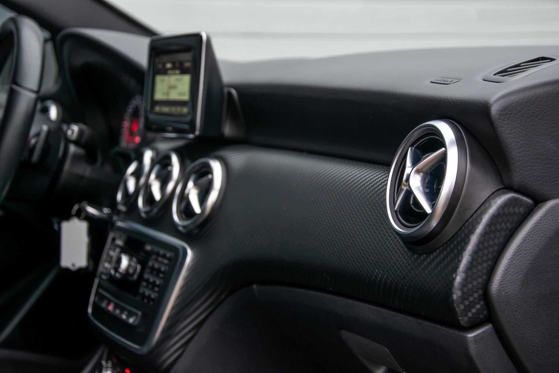 Mercedes-Benz A-Klasse 180 AMG Dynamic Handling/Camera/Xenon/Navi/Privacy Aut7 Foto 41