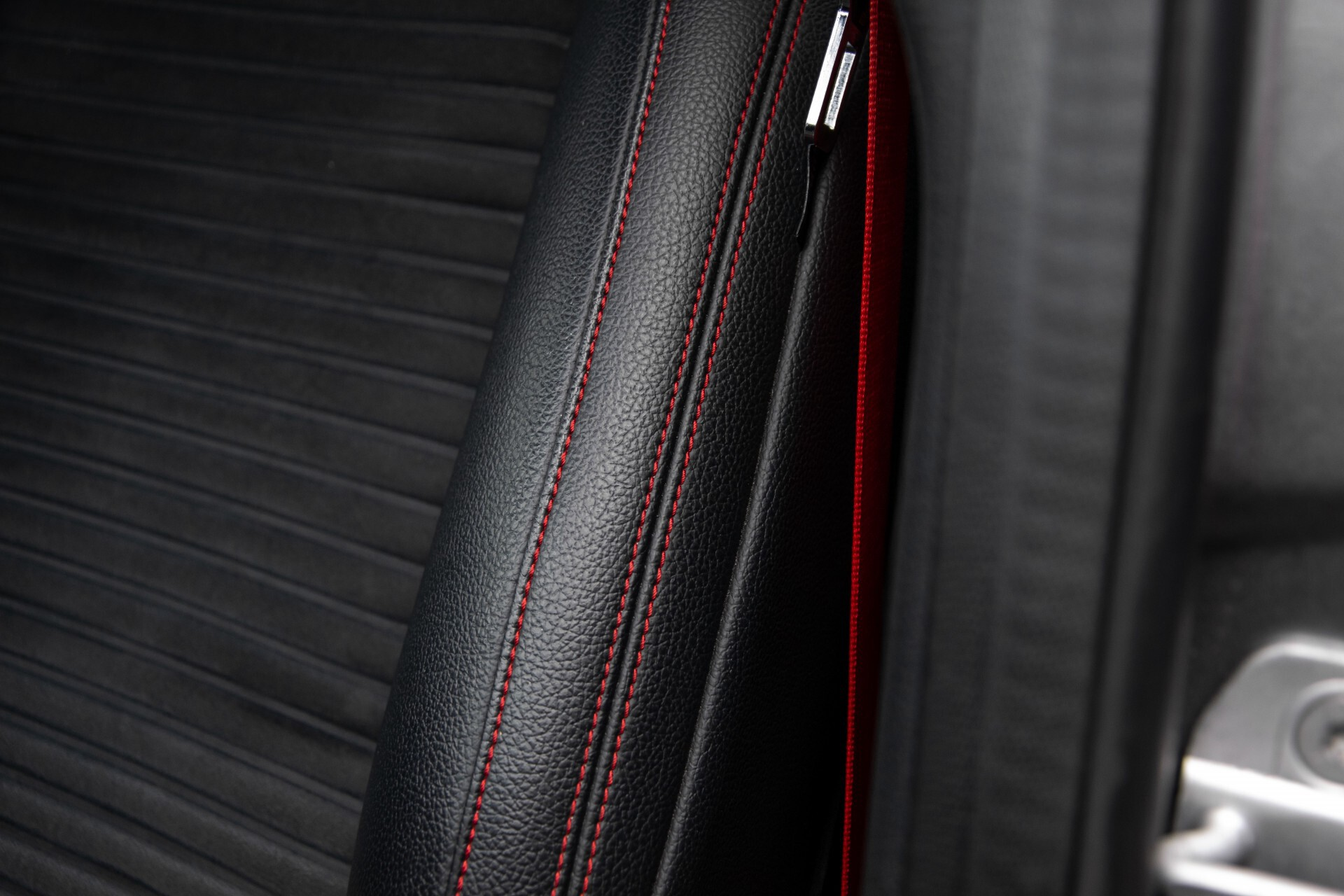 Mercedes-Benz A-Klasse 180 AMG Dynamic Handling/Camera/Xenon/Navi/Privacy Aut7 Foto 43