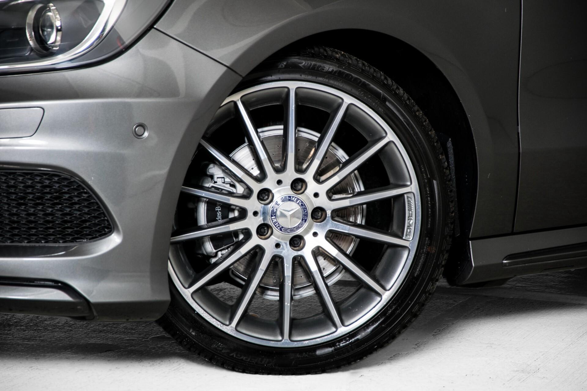 Mercedes-Benz A-Klasse 180 AMG Dynamic Handling/Camera/Xenon/Navi/Privacy Aut7 Foto 48