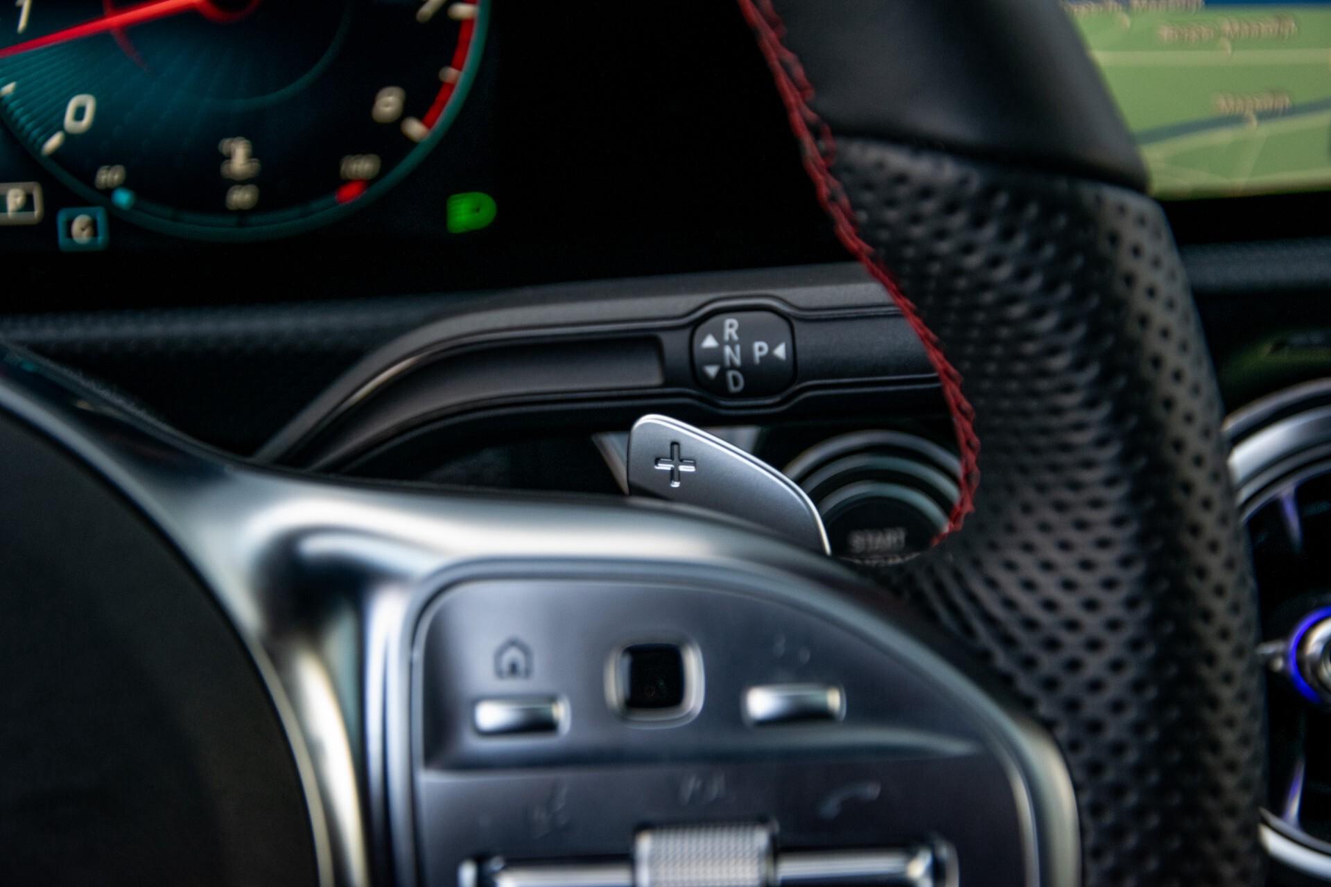 Mercedes-Benz CLA-Klasse Shooting Brake 250 AMG Panorama/Rij-assistentie/Burmester/Night Aut7 Foto 13
