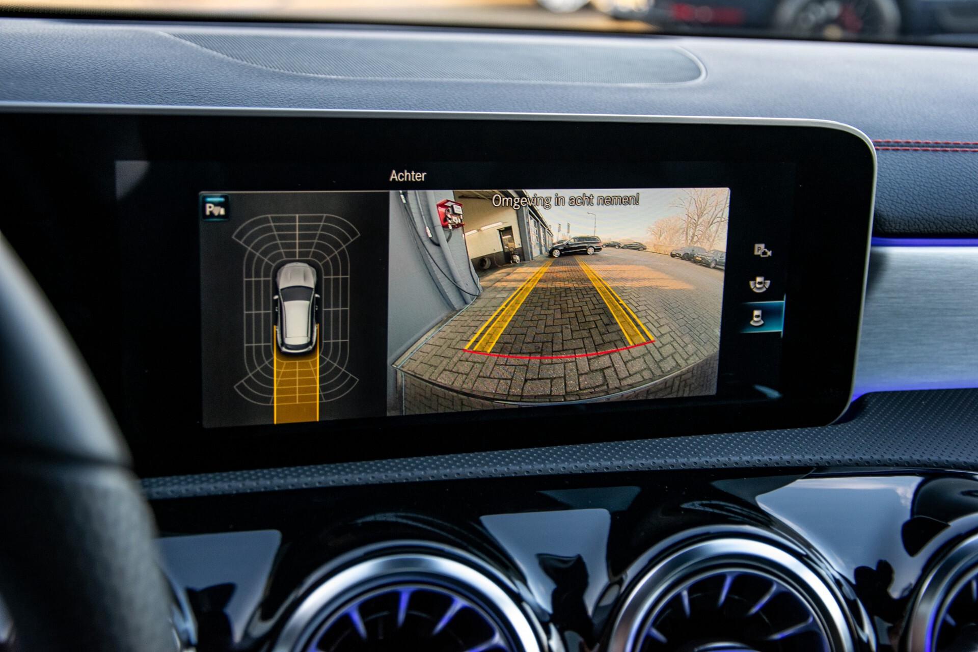 Mercedes-Benz CLA-Klasse Shooting Brake 250 AMG Panorama/Rij-assistentie/Burmester/Night Aut7 Foto 17