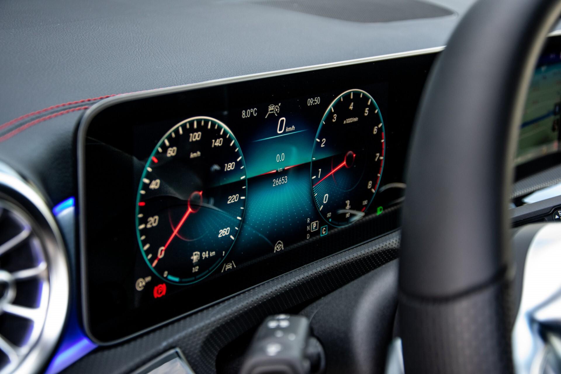 Mercedes-Benz CLA-Klasse Shooting Brake 250 AMG Panorama/Rij-assistentie/Burmester/Night Aut7 Foto 32