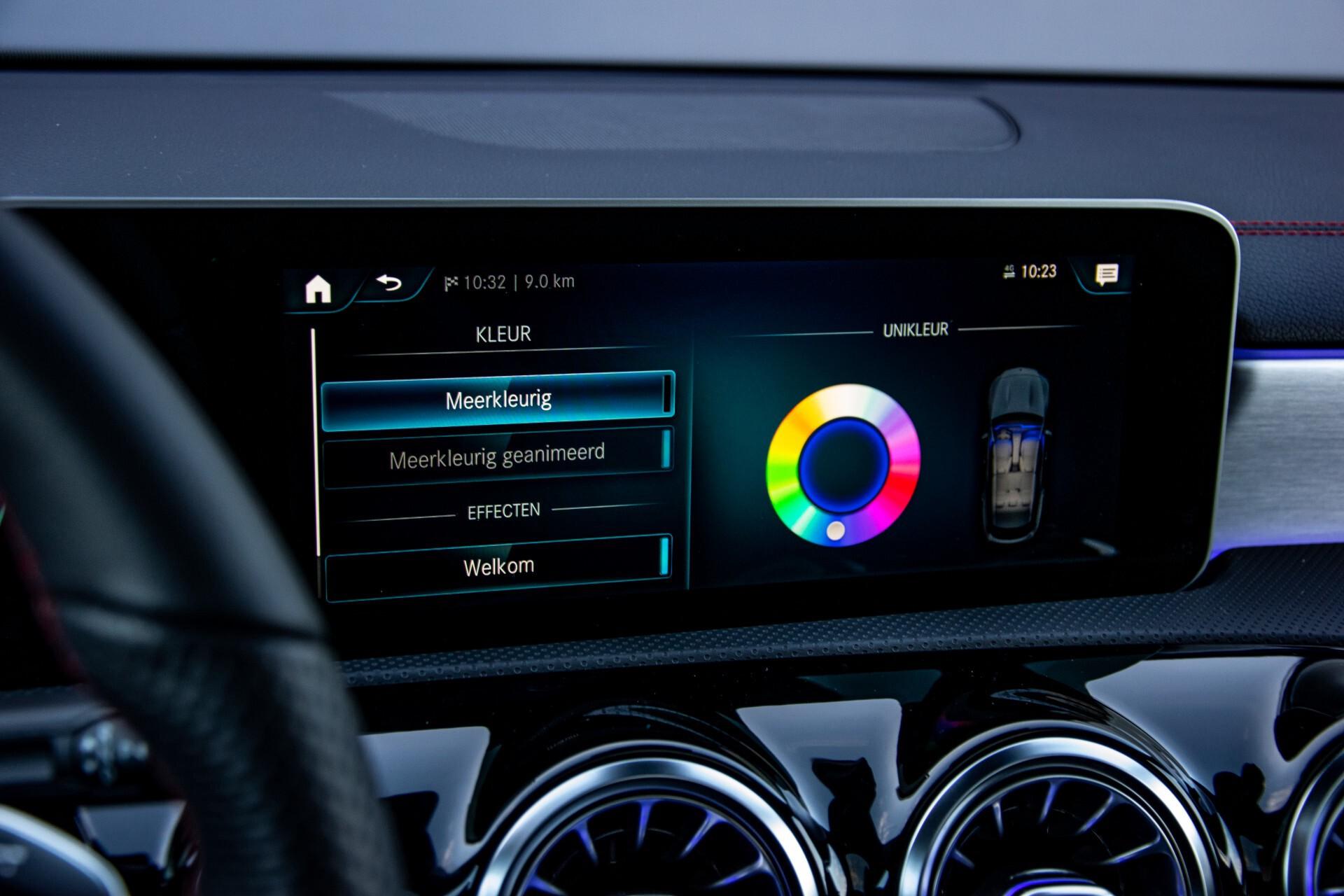 Mercedes-Benz CLA-Klasse Shooting Brake 250 AMG Panorama/Rij-assistentie/Burmester/Night Aut7 Foto 37