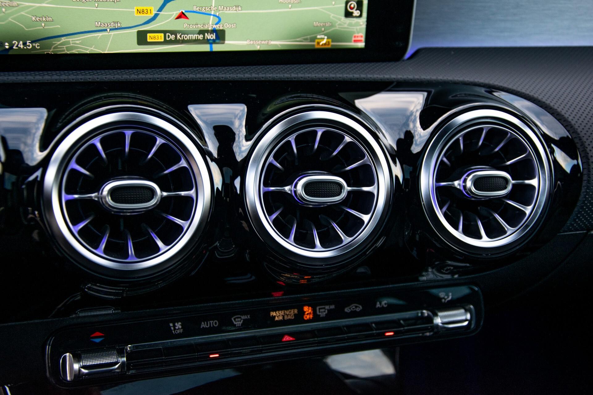 Mercedes-Benz CLA-Klasse Shooting Brake 250 AMG Panorama/Rij-assistentie/Burmester/Night Aut7 Foto 40