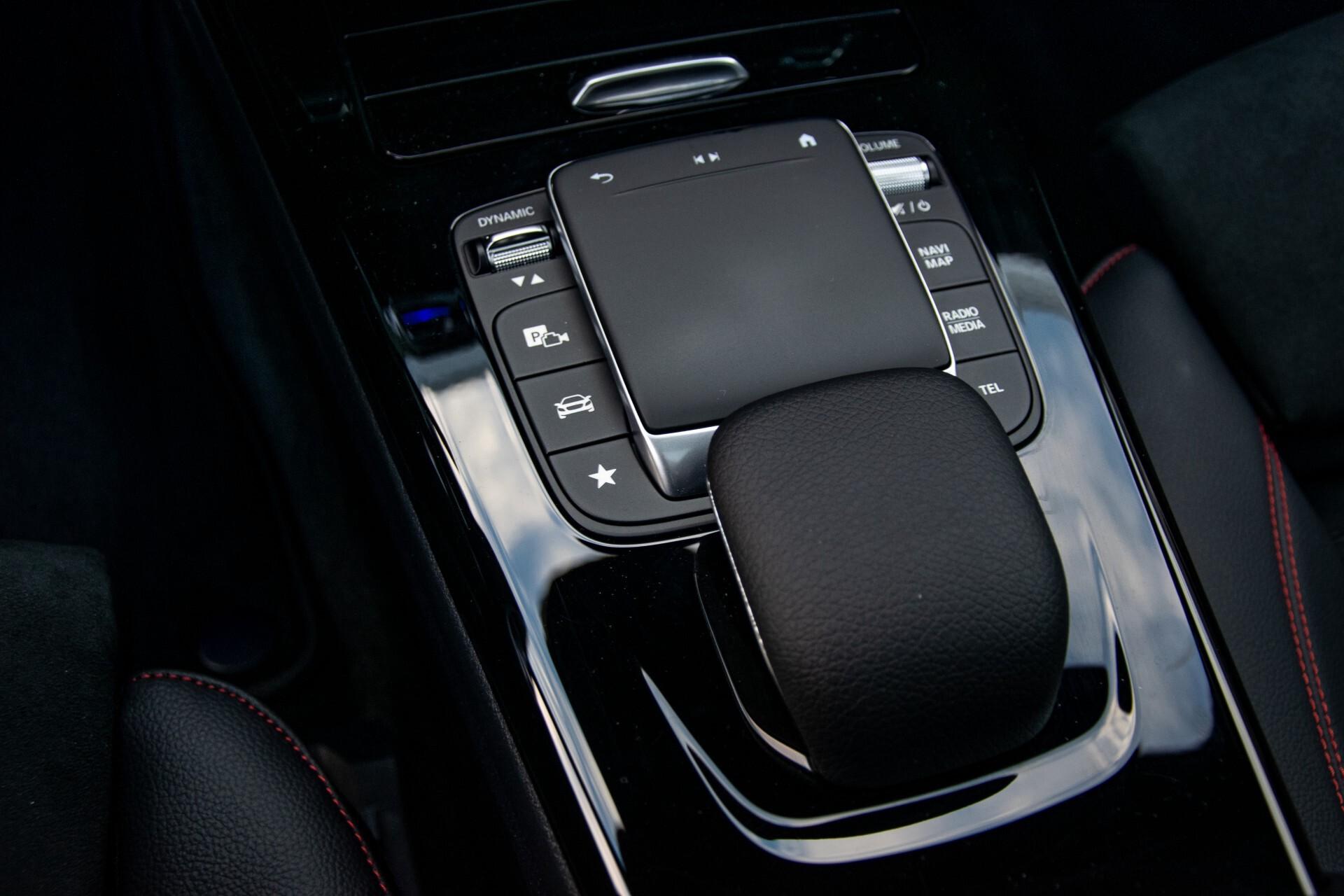 Mercedes-Benz CLA-Klasse Shooting Brake 250 AMG Panorama/Rij-assistentie/Burmester/Night Aut7 Foto 45