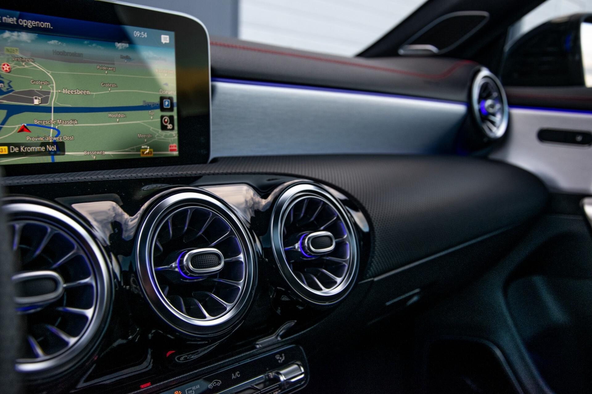 Mercedes-Benz CLA-Klasse Shooting Brake 250 AMG Panorama/Rij-assistentie/Burmester/Night Aut7 Foto 46