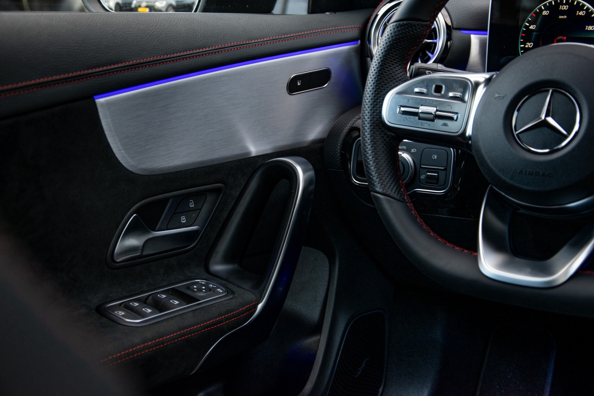 Mercedes-Benz CLA-Klasse Shooting Brake 250 AMG Panorama/Rij-assistentie/Burmester/Night Aut7 Foto 47