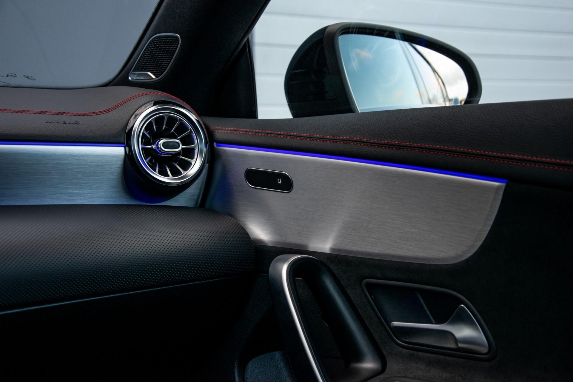 Mercedes-Benz CLA-Klasse Shooting Brake 250 AMG Panorama/Rij-assistentie/Burmester/Night Aut7 Foto 48