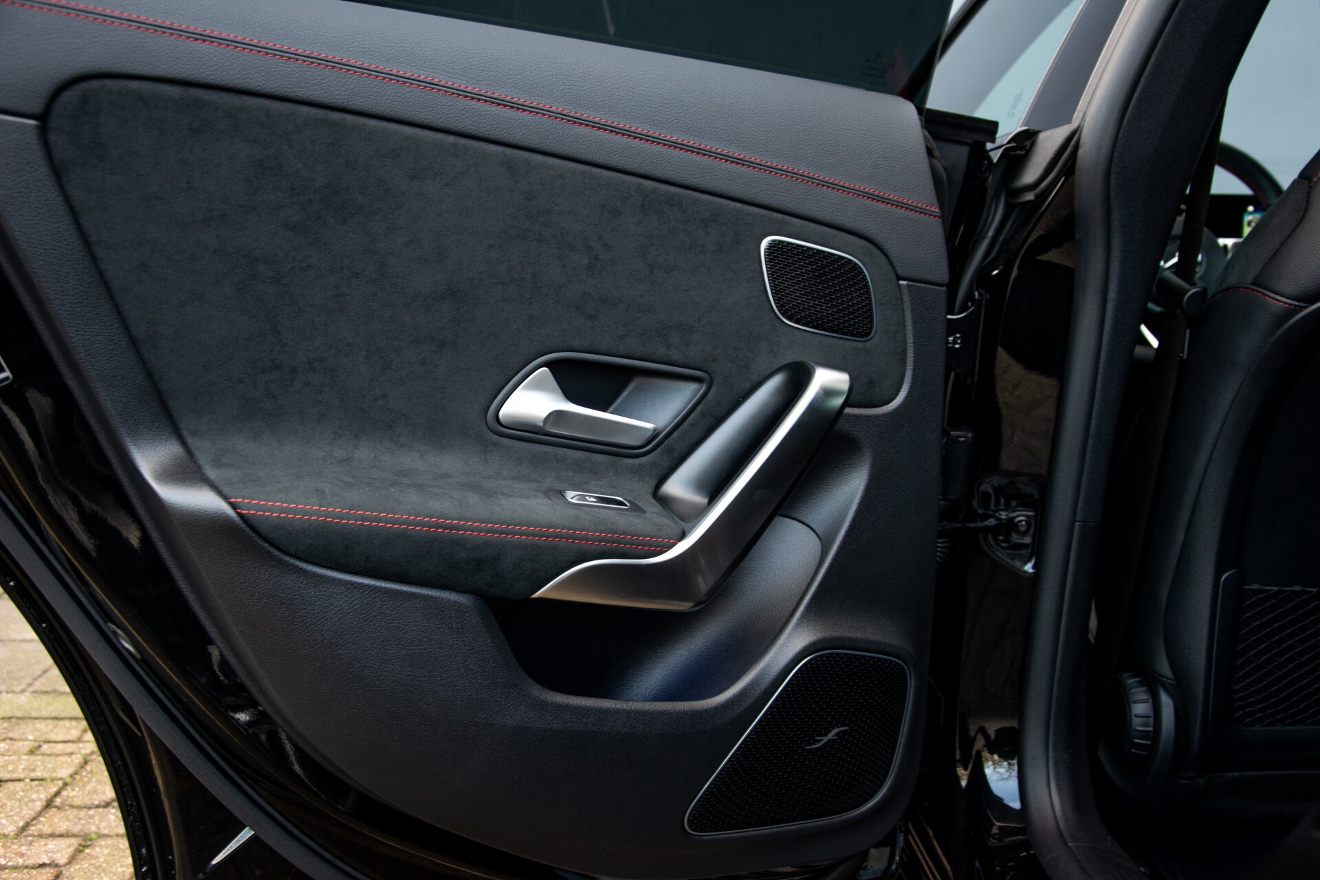 Mercedes-Benz CLA-Klasse Shooting Brake 250 AMG Panorama/Rij-assistentie/Burmester/Night Aut7 Foto 50