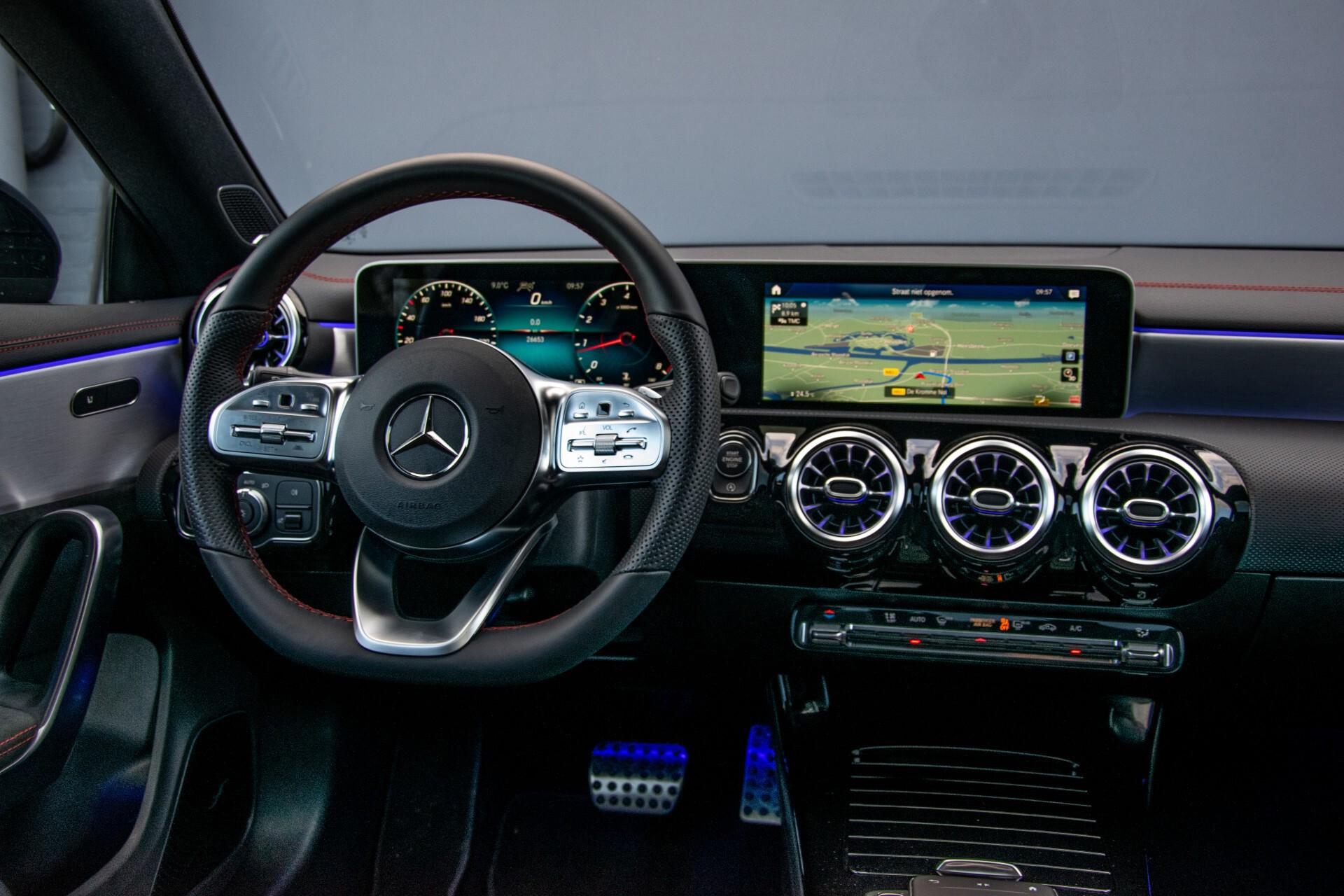 Mercedes-Benz CLA-Klasse Shooting Brake 250 AMG Panorama/Rij-assistentie/Burmester/Night Aut7 Foto 6