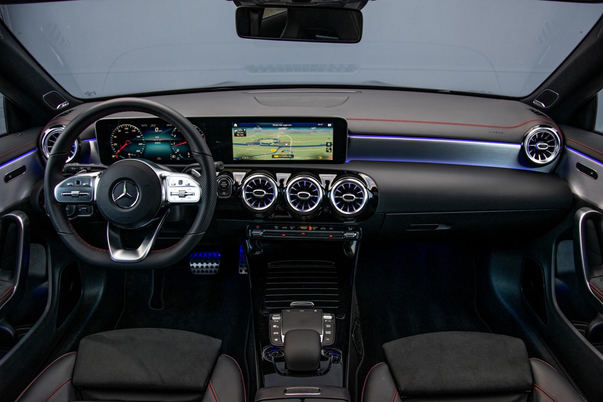 Mercedes-Benz CLA-Klasse Shooting Brake 250 AMG Panorama/Rij-assistentie/Burmester/Night Aut7 Foto 7