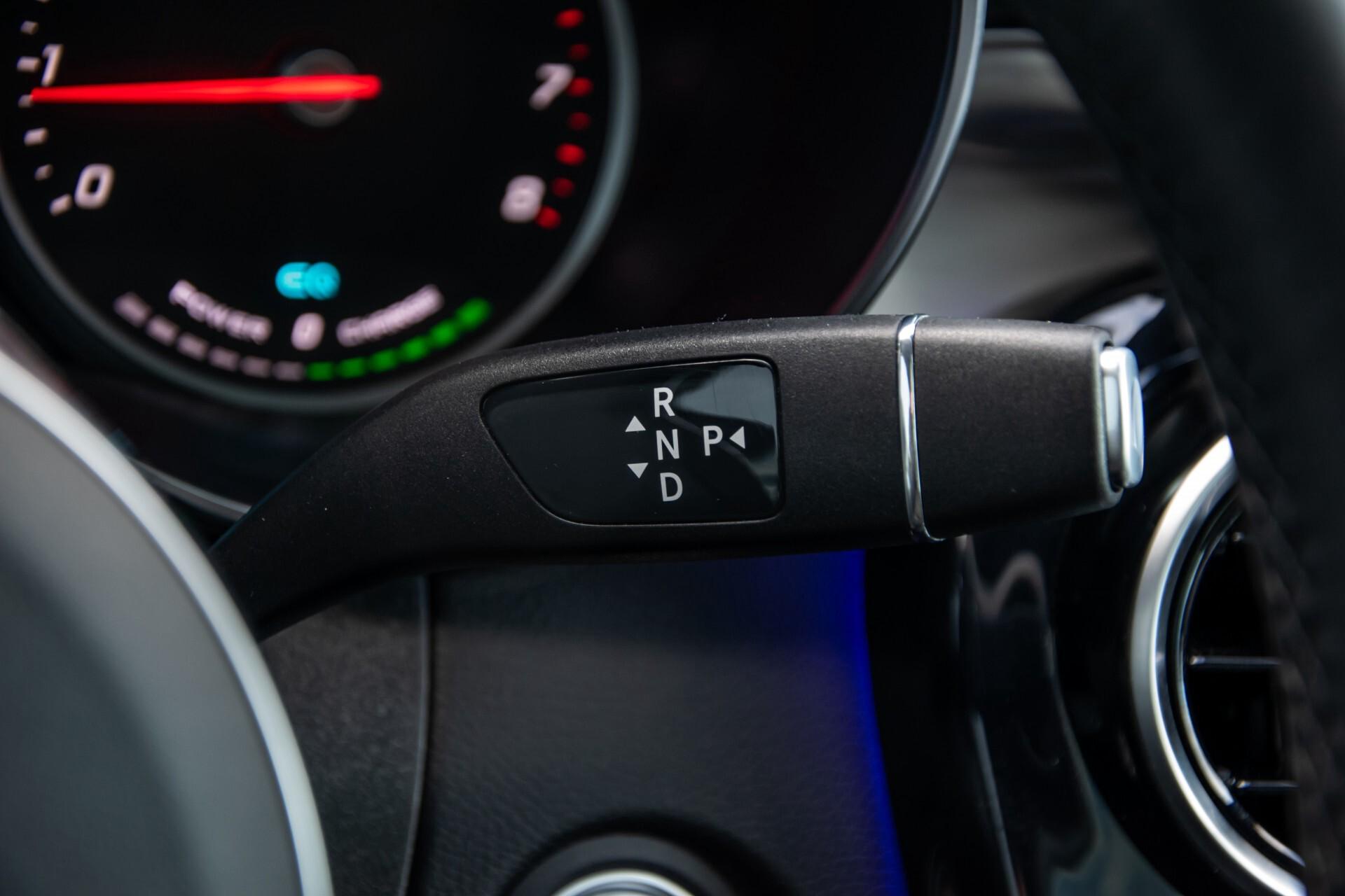 Mercedes-Benz GLC 300 4-M AMG Panorama/Keyless/Assistentiepakket/MBUX//Wegkl-trekhaak Aut9 Foto 15