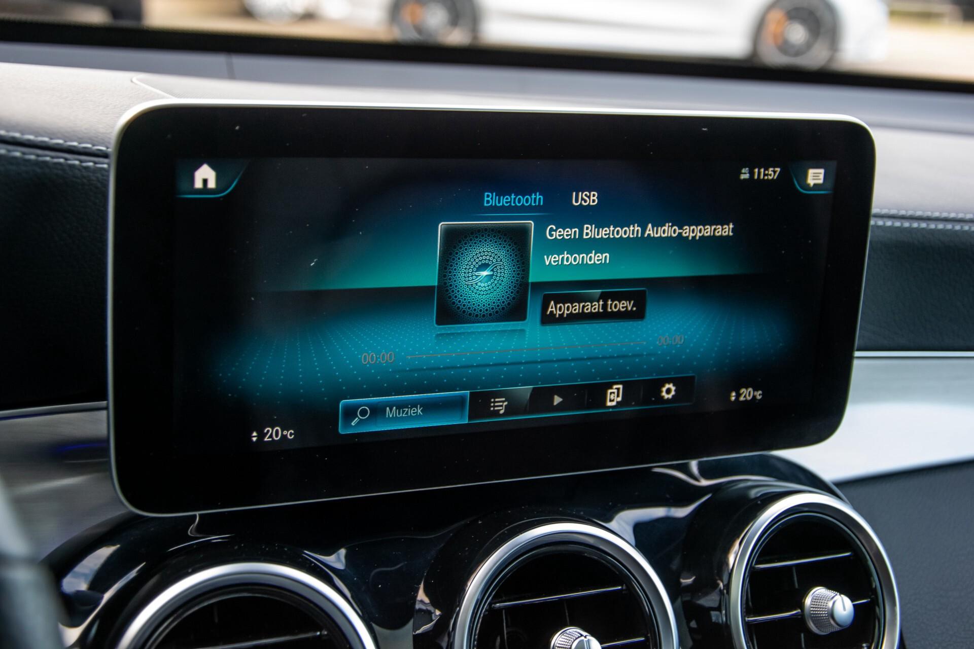 Mercedes-Benz GLC 300 4-M AMG Panorama/Keyless/Assistentiepakket/MBUX//Wegkl-trekhaak Aut9 Foto 23