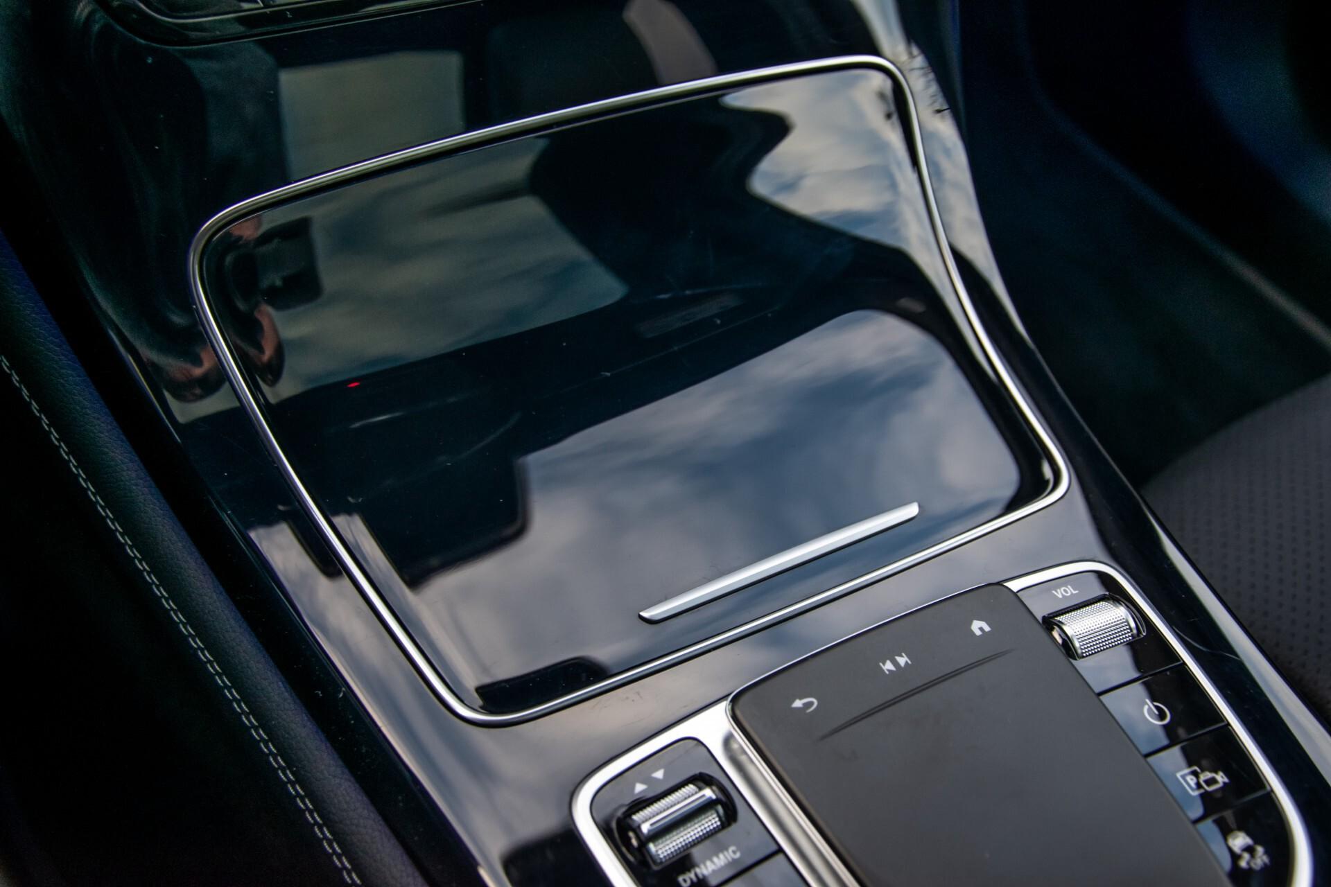 Mercedes-Benz GLC 300 4-M AMG Panorama/Keyless/Assistentiepakket/MBUX//Wegkl-trekhaak Aut9 Foto 24