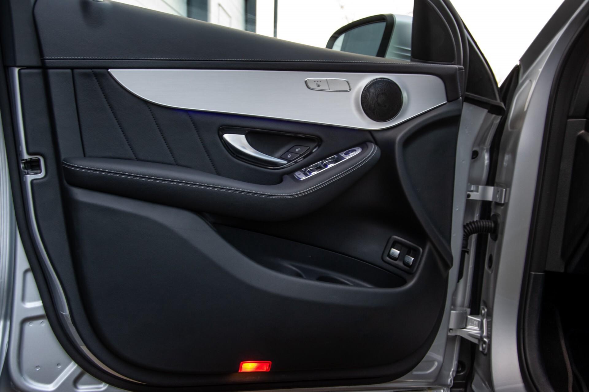 Mercedes-Benz GLC 300 4-M AMG Panorama/Keyless/Assistentiepakket/MBUX//Wegkl-trekhaak Aut9 Foto 32