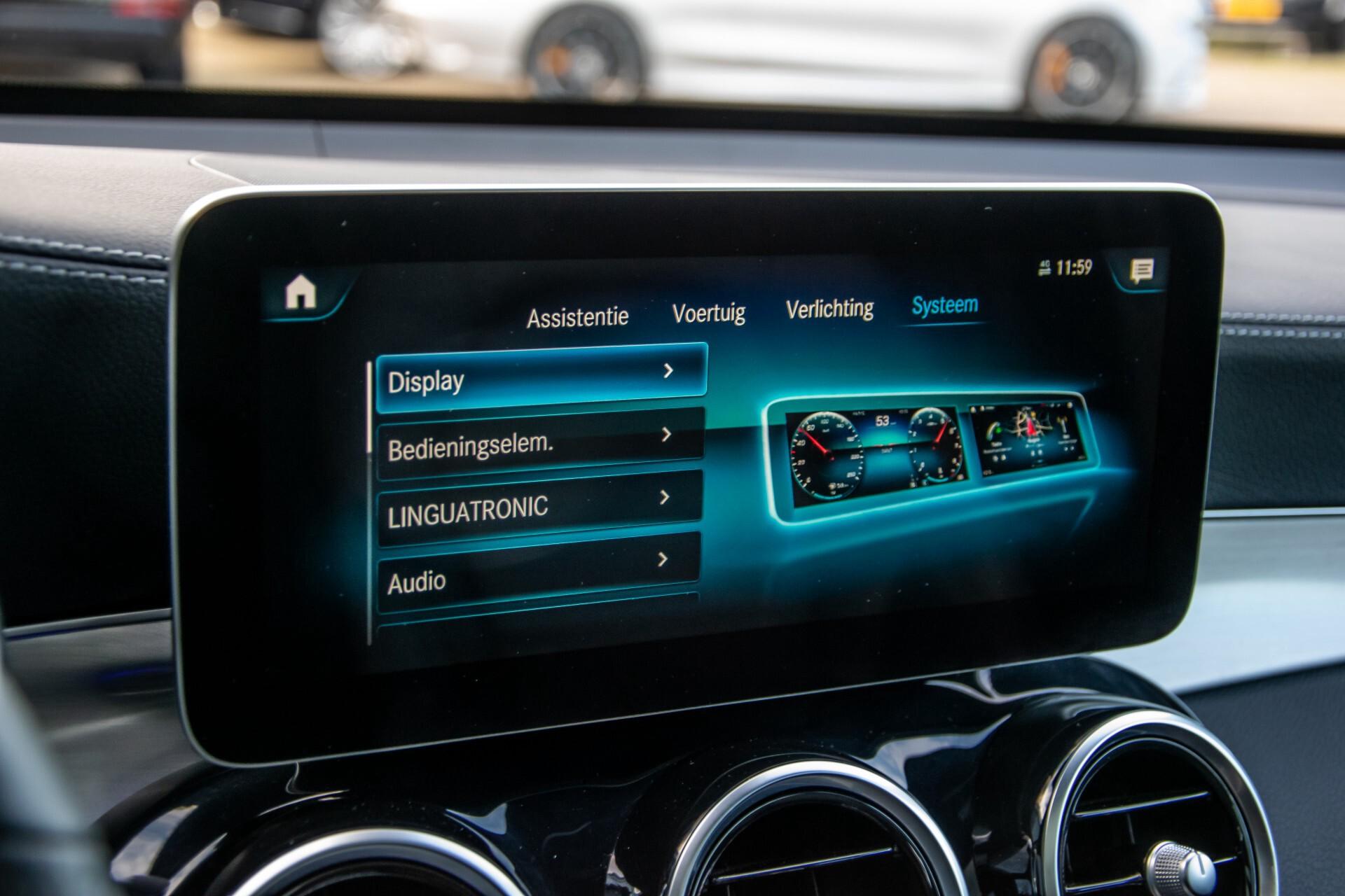 Mercedes-Benz GLC 300 4-M AMG Panorama/Keyless/Assistentiepakket/MBUX//Wegkl-trekhaak Aut9 Foto 33