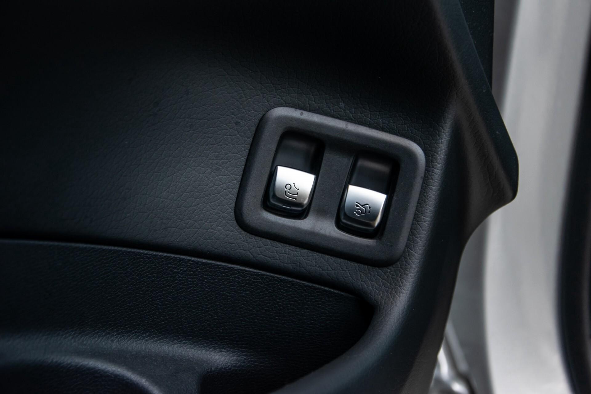 Mercedes-Benz GLC 300 4-M AMG Panorama/Keyless/Assistentiepakket/MBUX//Wegkl-trekhaak Aut9 Foto 36