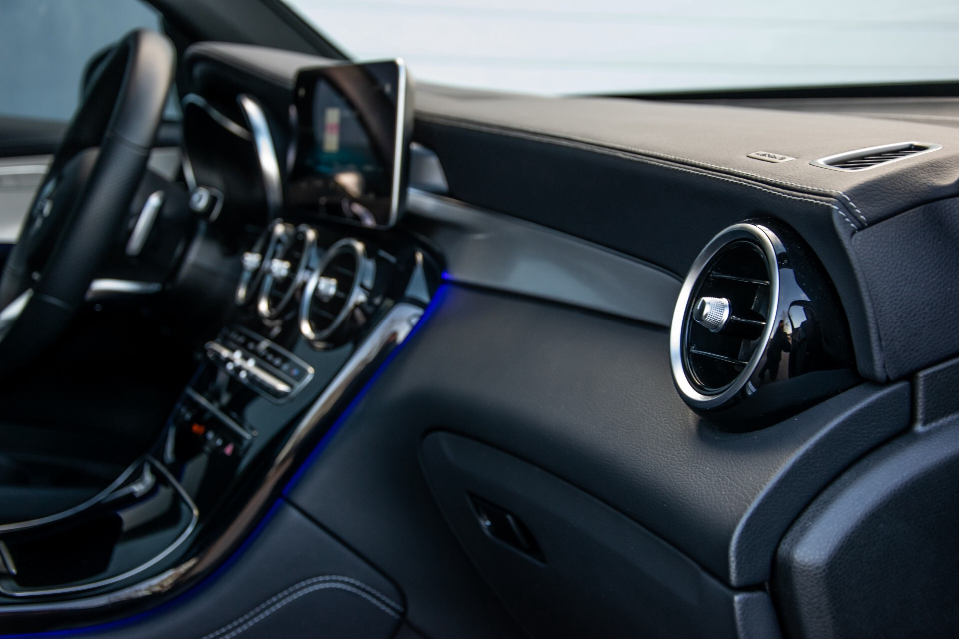 Mercedes-Benz GLC 300 4-M AMG Panorama/Keyless/Assistentiepakket/MBUX//Wegkl-trekhaak Aut9 Foto 42