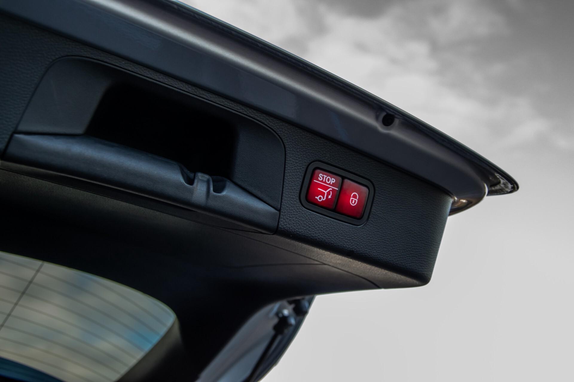 Mercedes-Benz GLC 300 4-M AMG Panorama/Keyless/Assistentiepakket/MBUX//Wegkl-trekhaak Aut9 Foto 49