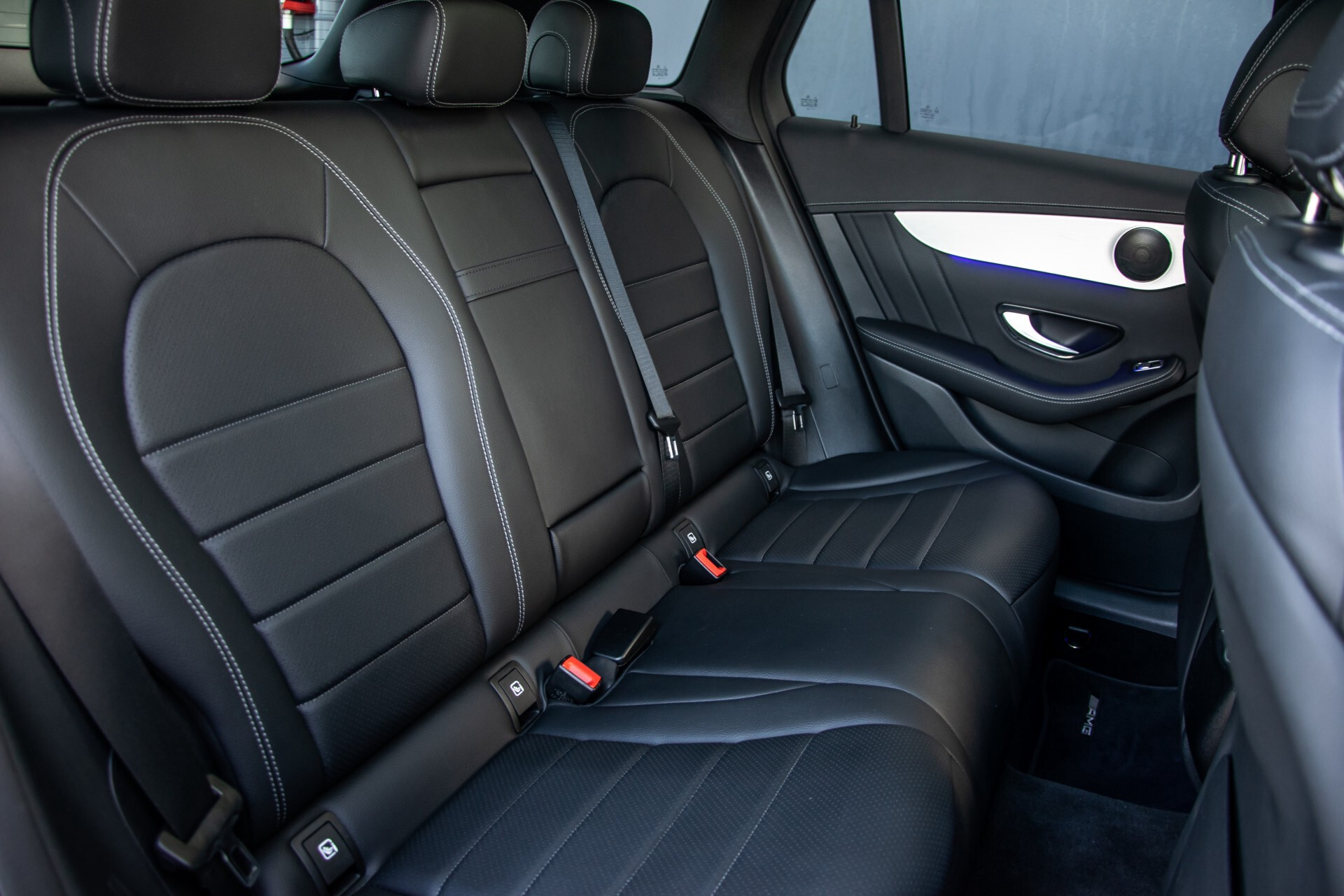 Mercedes-Benz GLC 300 4-M AMG Panorama/Keyless/Assistentiepakket/MBUX//Wegkl-trekhaak Aut9 Foto 5