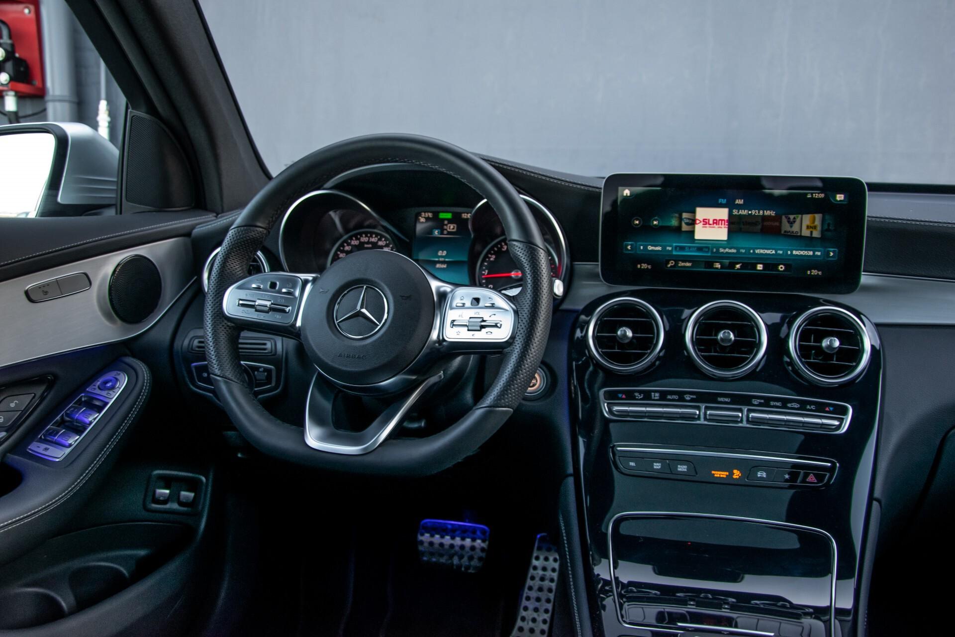 Mercedes-Benz GLC 300 4-M AMG Panorama/Keyless/Assistentiepakket/MBUX//Wegkl-trekhaak Aut9 Foto 7